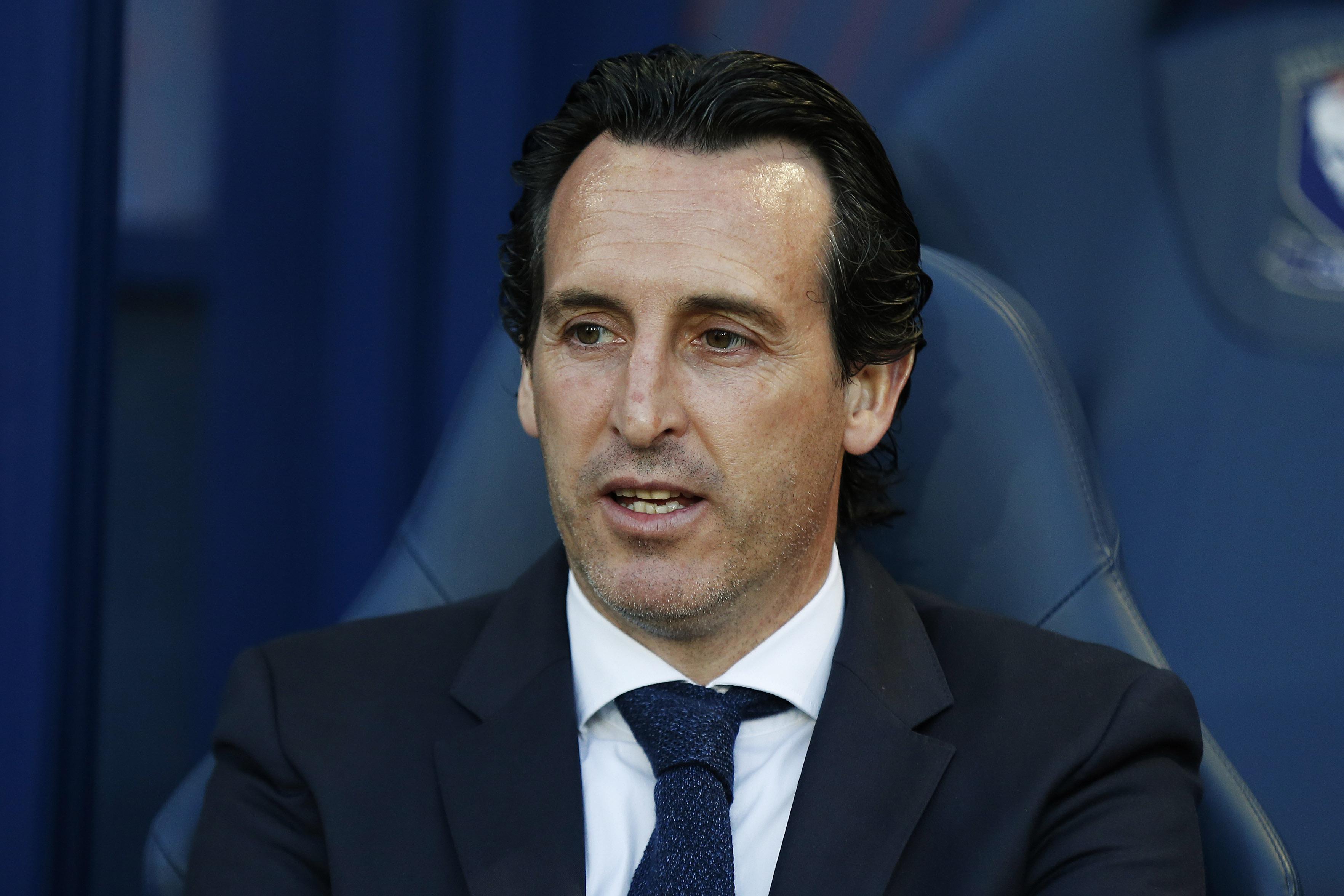 Megbüntették az Arsenal edzőjét, mert a nézők közé rúgott egy vizespalackot