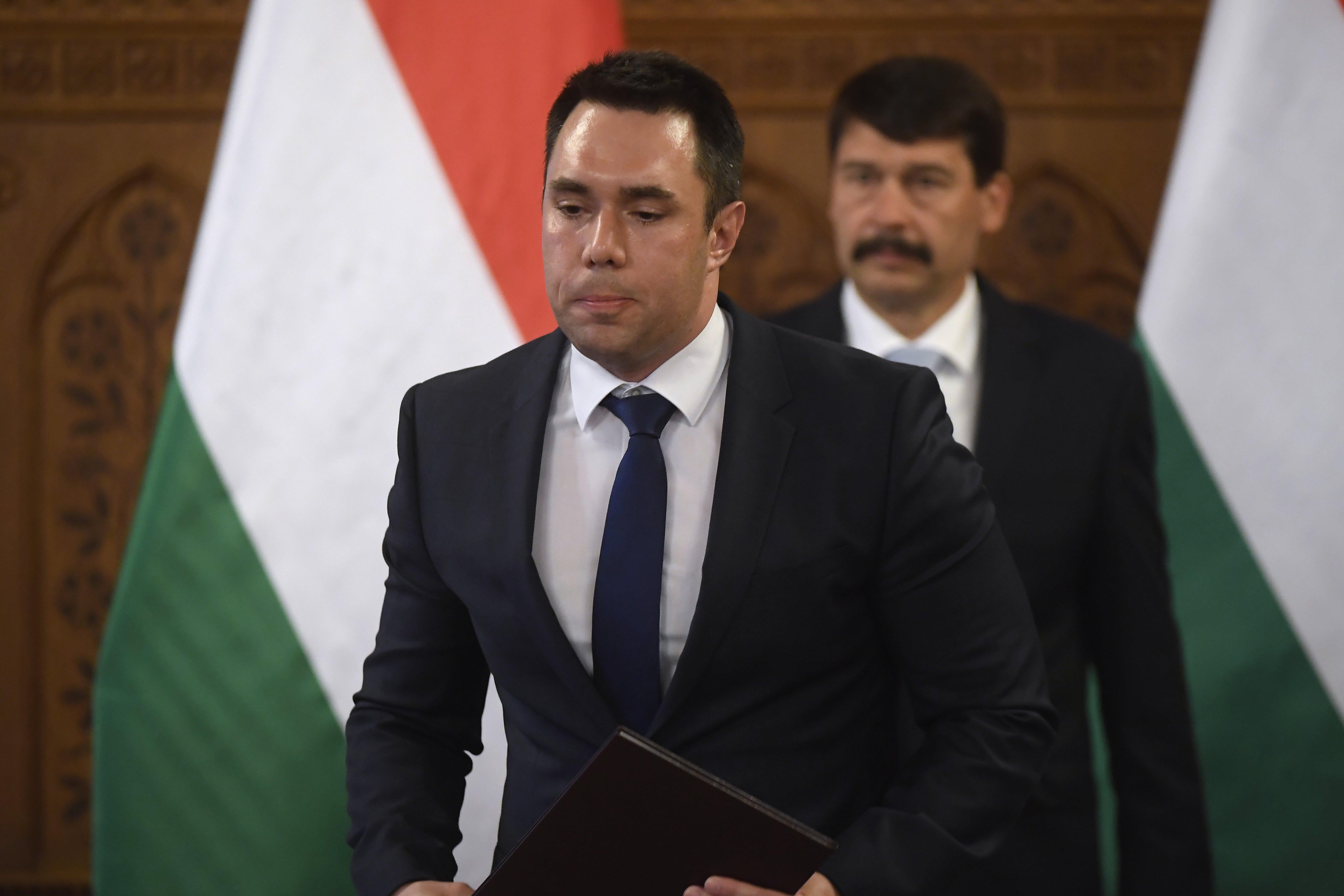Fontos poszton cserélt államtitkárt Orbán, magyarázat nélkül