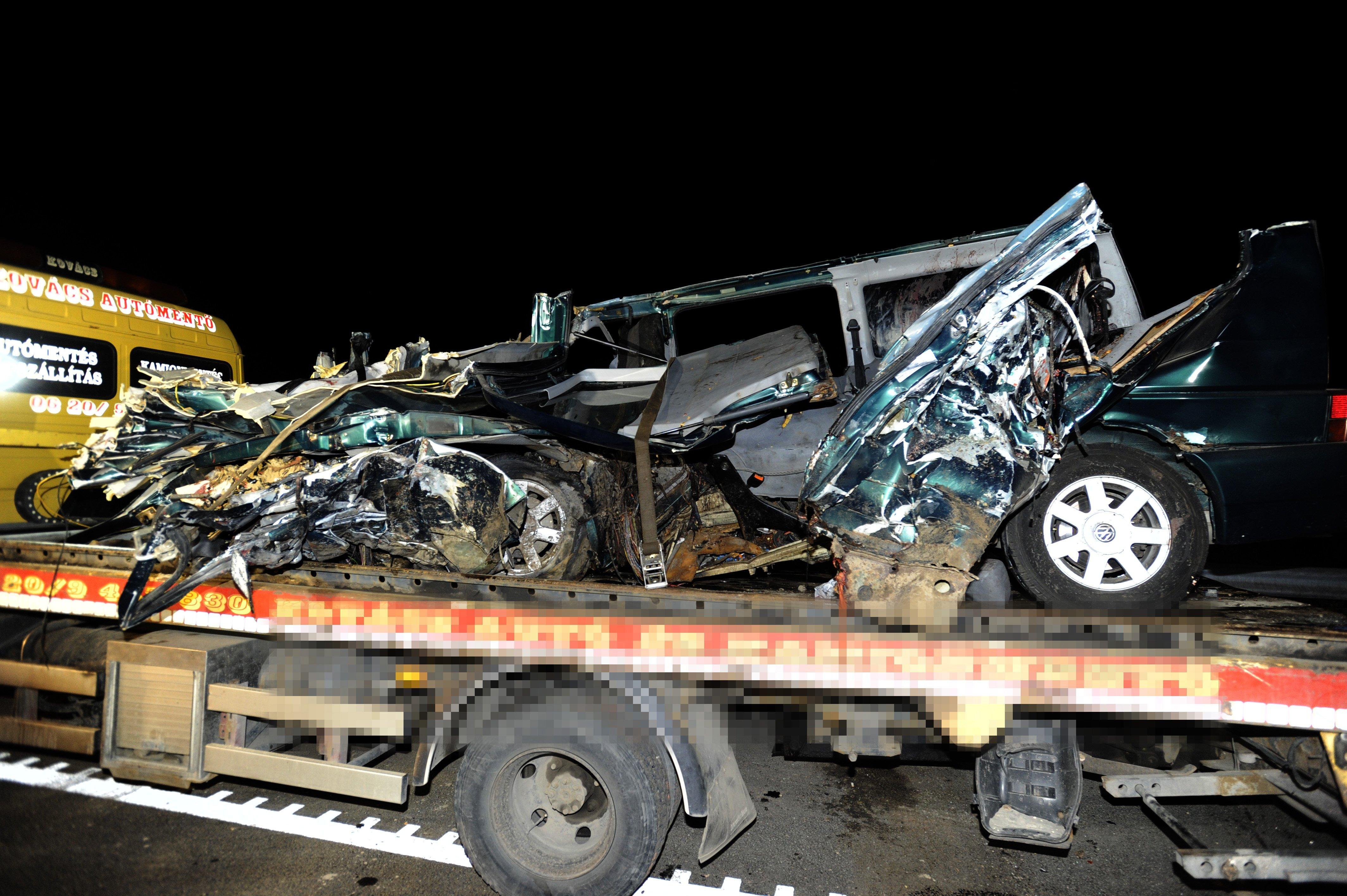A román sajtó szerint nem volt jogosítványa annak a sofőrnek, aki 9 halálos áldozattal járó balesetet okozott Ceglédbercelnél