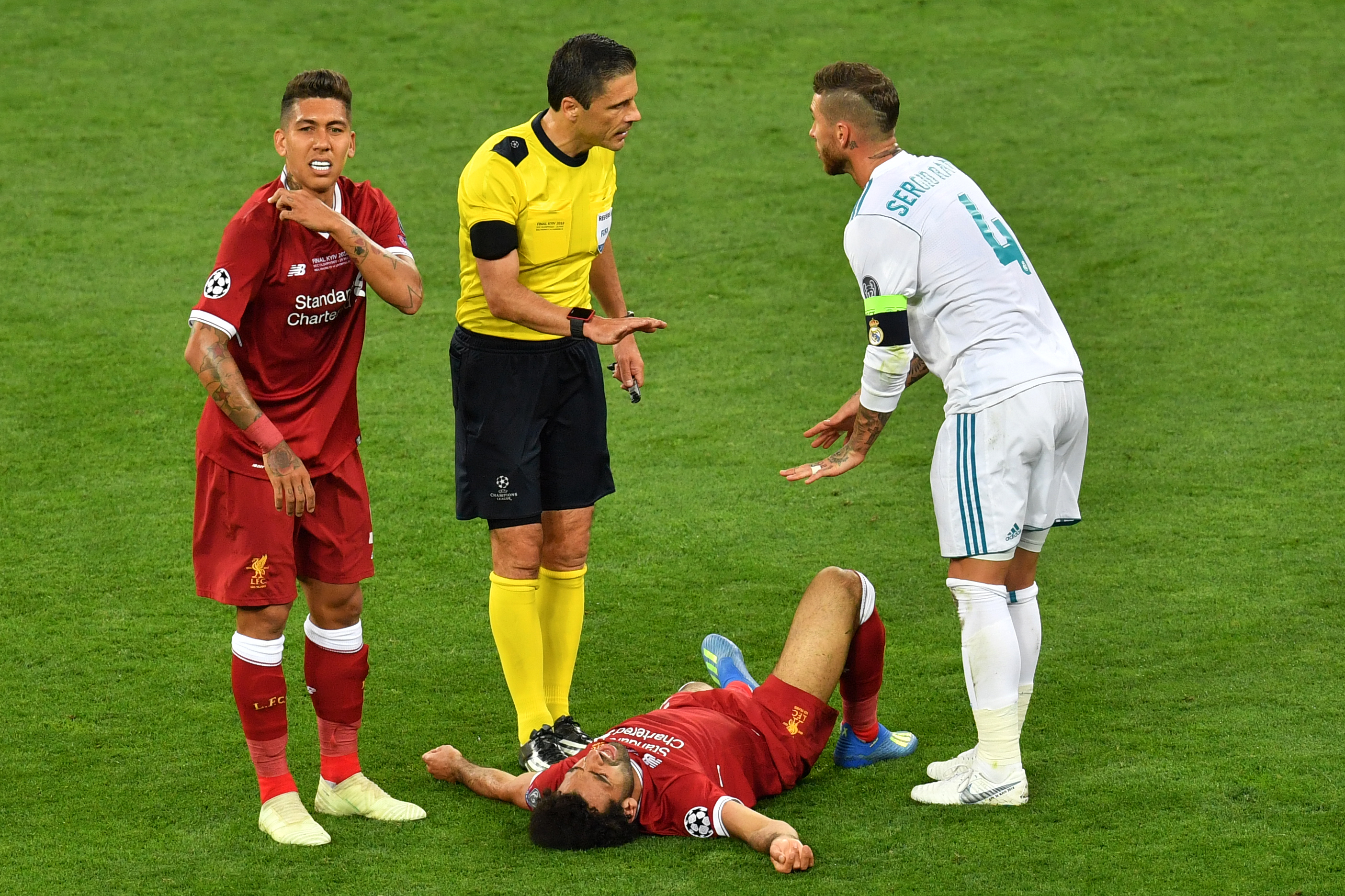 """Ramos: """"Mi lesz a következő? Firmino meg megfázott, mert ráfröccsent az izzadságom?"""""""