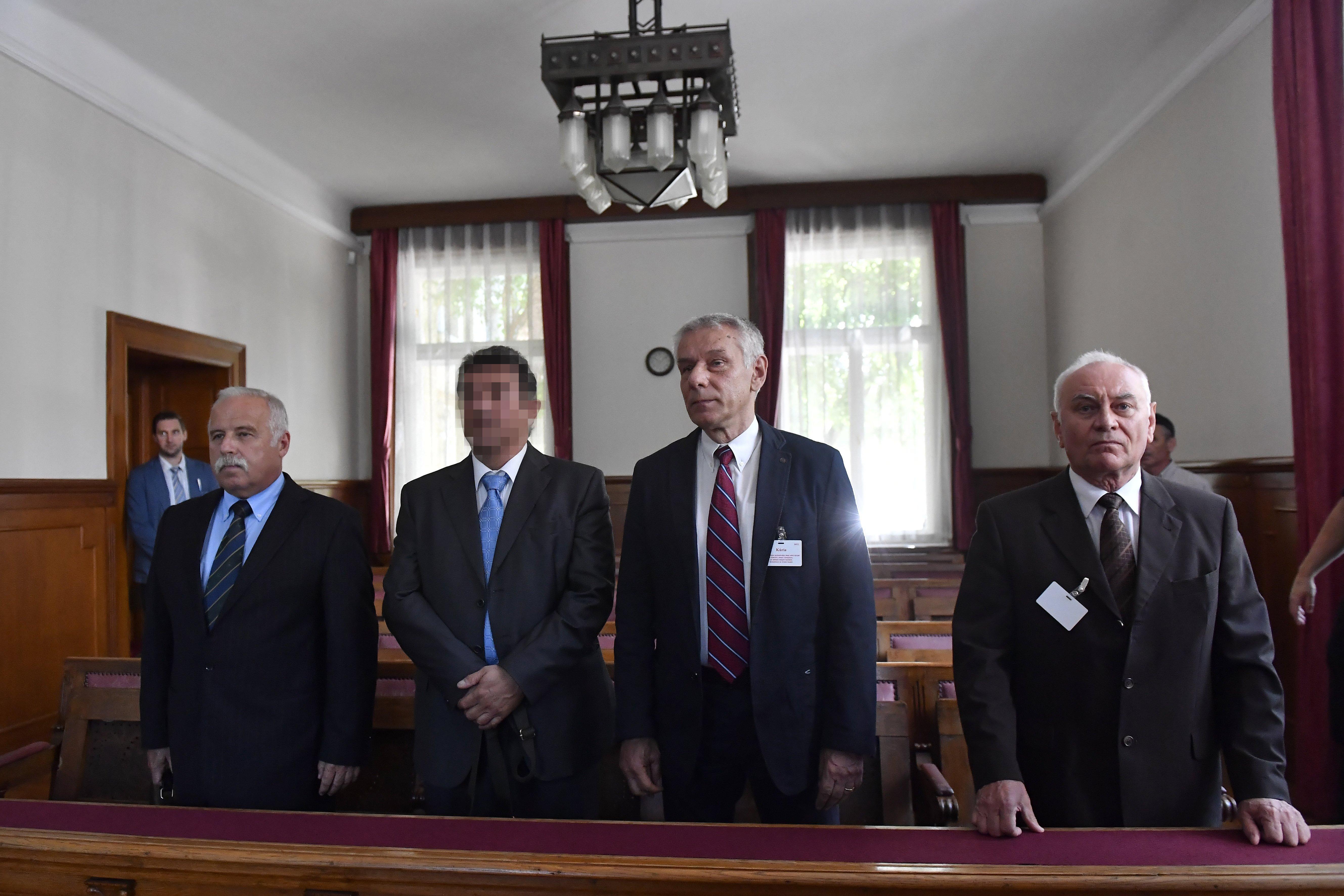 A Kúria is felmentette a kémkedéssel vádolt volt titkosszolgálati vezetőket