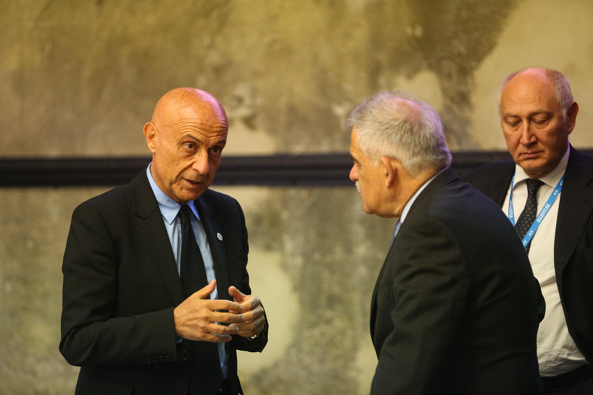 A volt olasz belügyminiszter nem szeretné, ha Olaszország Magyarországhoz hasonlítana a bevándorlás kérdésében