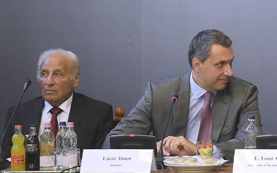 Lázárral együtt Zoltai Gusztáv havi egymilliós tanácsai is távoztak a Miniszterelnökségtől