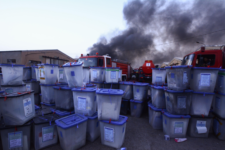 Az újraszámolás előtt gyulladtak ki a raktárak, ahol az iraki szavazólapokat tárolták
