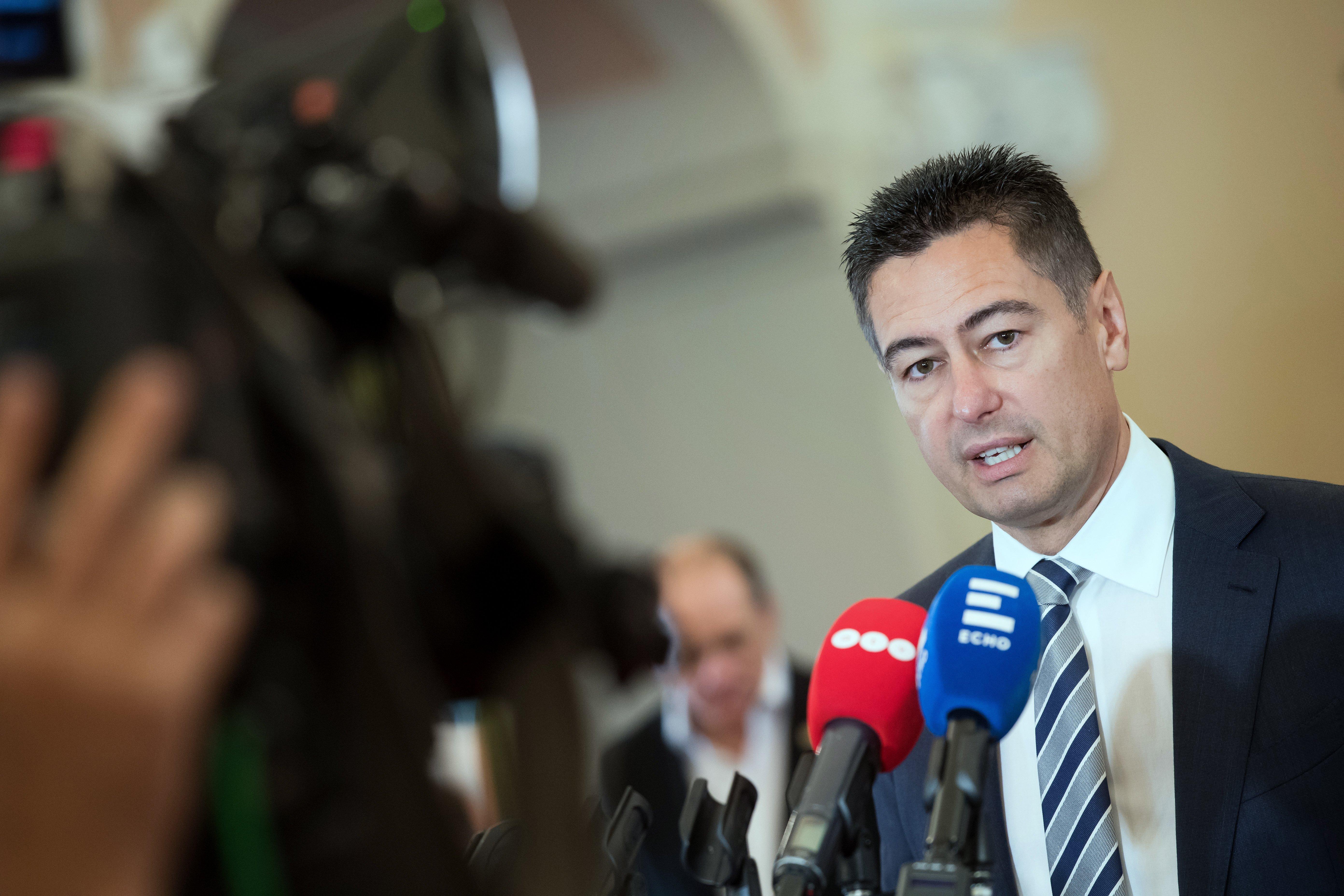 """Horváth Csaba a """"közbizalom helyreállítása érdekében"""" visszavonja a módosítást, ami átláthatatlanabbá tehette volna Zuglót"""
