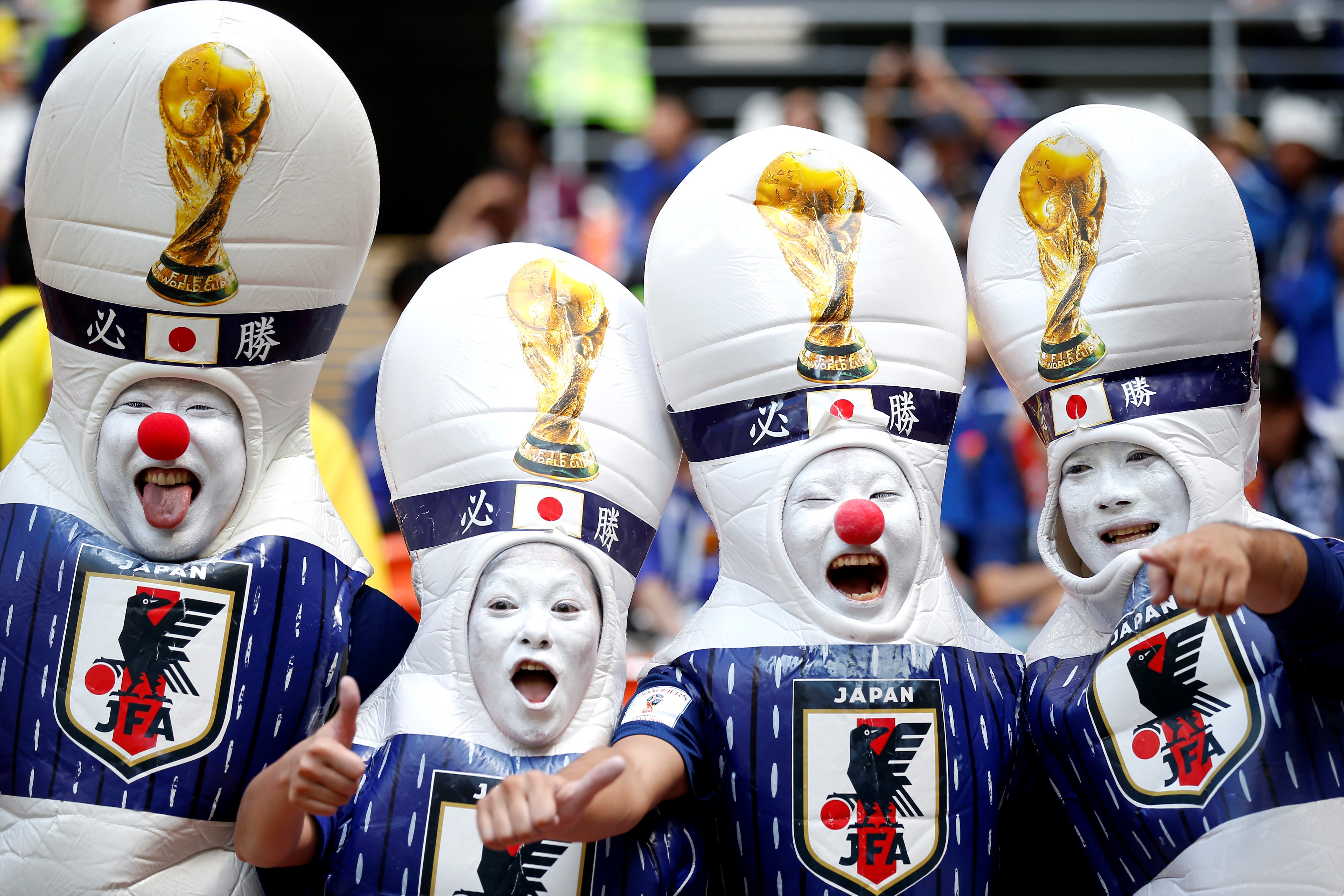A japán és a szenegáli szurkolók feltakarítottak maguk után az oroszországi stadionokban