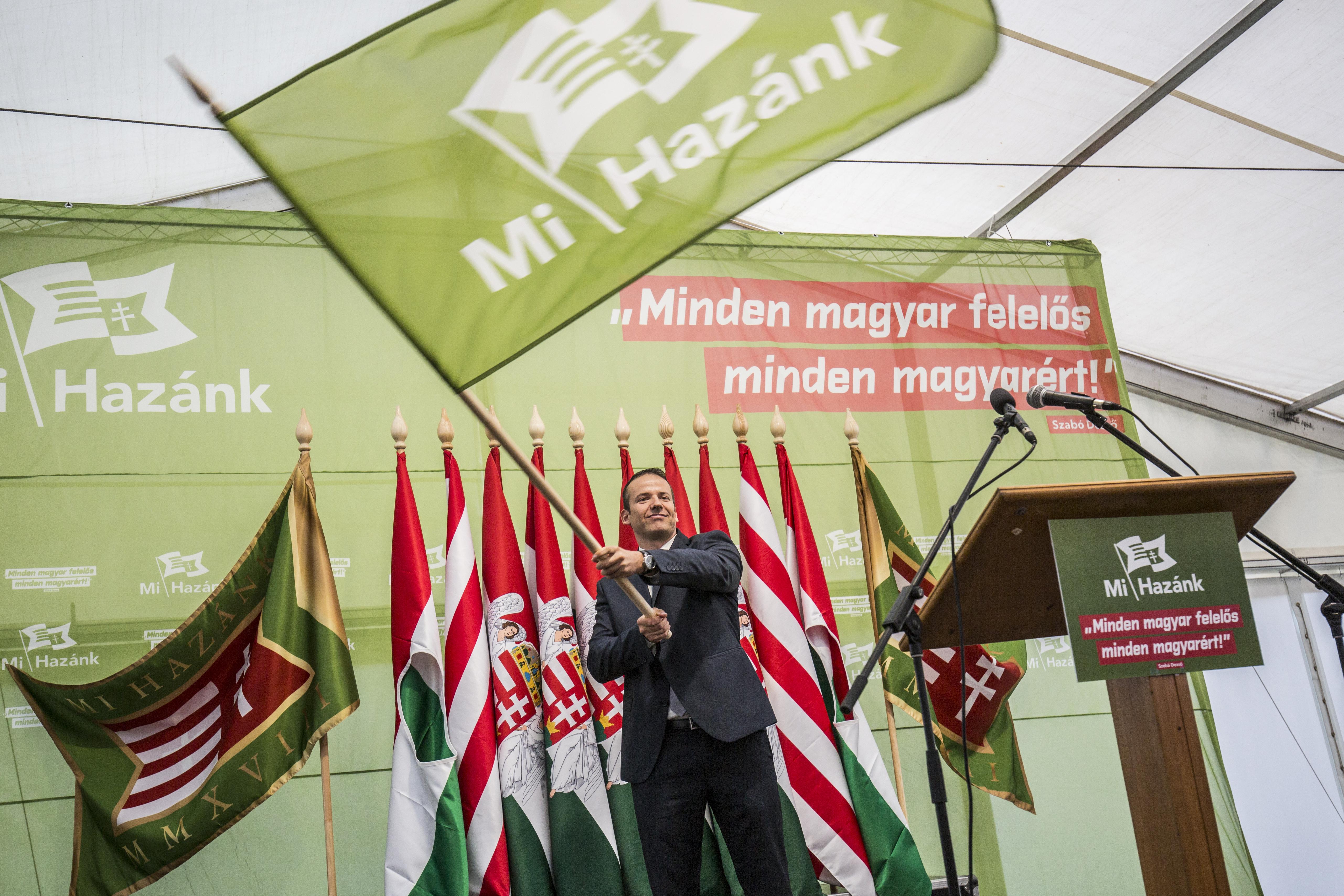 Elindult Toroczkai új pártja, fehér szigetté tennék Magyarországot