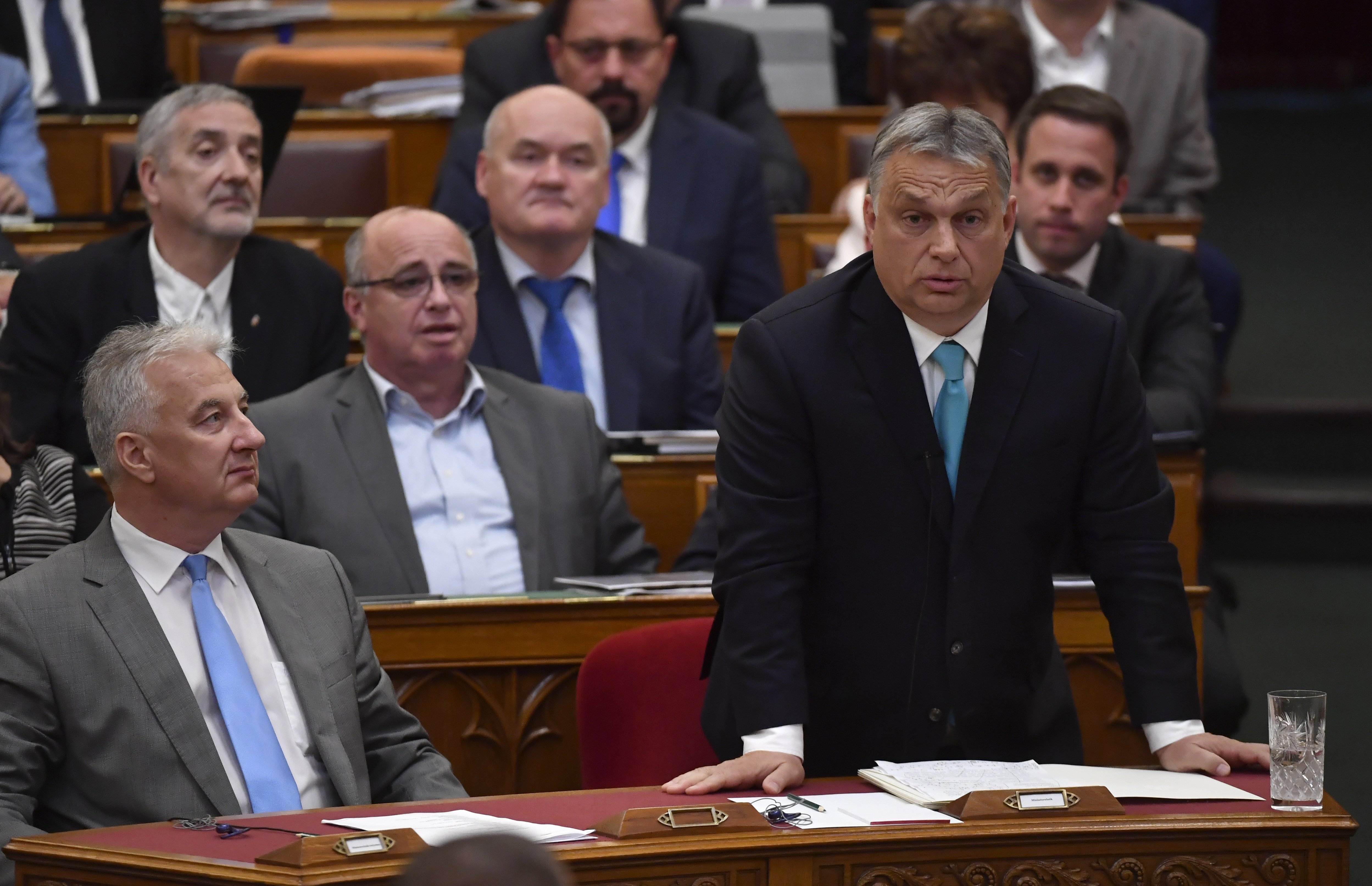 """Orbán kiállt Nagy Imre mellett, miután a jobbikos képviselő """"moszkovita gazembernek"""" nevezte"""