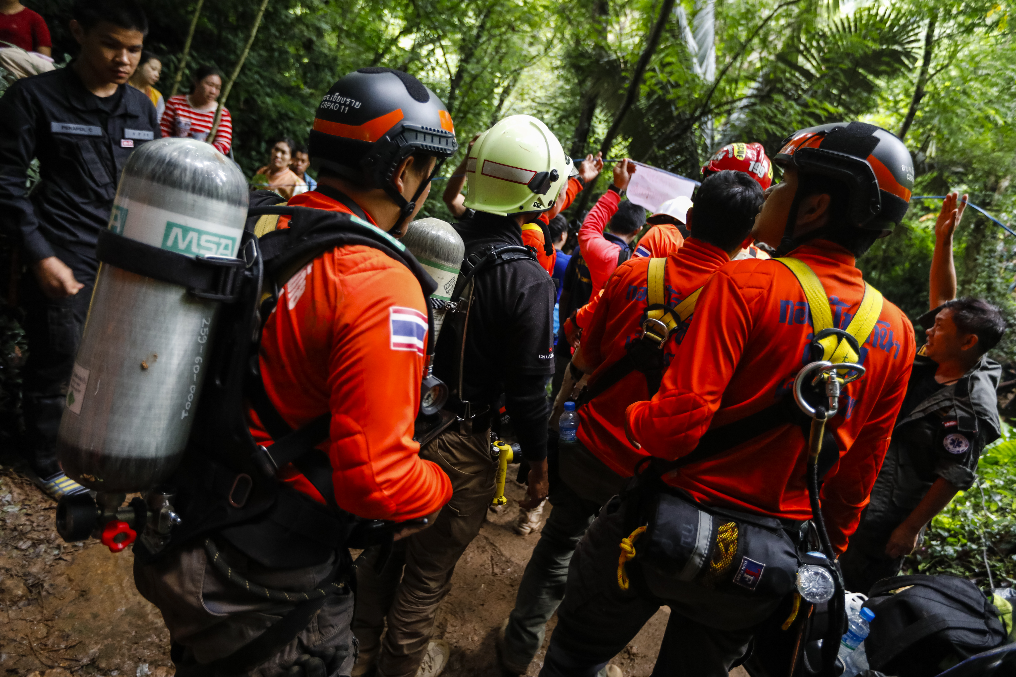 Eltűnt egy gyerekekből álló focicsapat egy thai barlangban, mentőakció indult a keresésükre