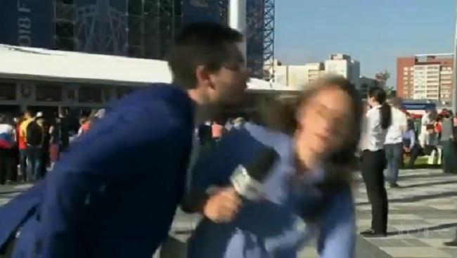 A brazil riporternő kiosztotta azt a gyökeret, aki adás közben megpróbálta lesmárolni az orosz vébén