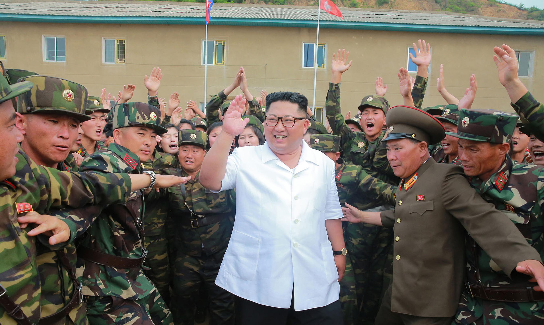 Felröppent, hogy súlyos állapotban lehet Kim Dzsongun egy műtét után, de valójában senki sem tud semmit