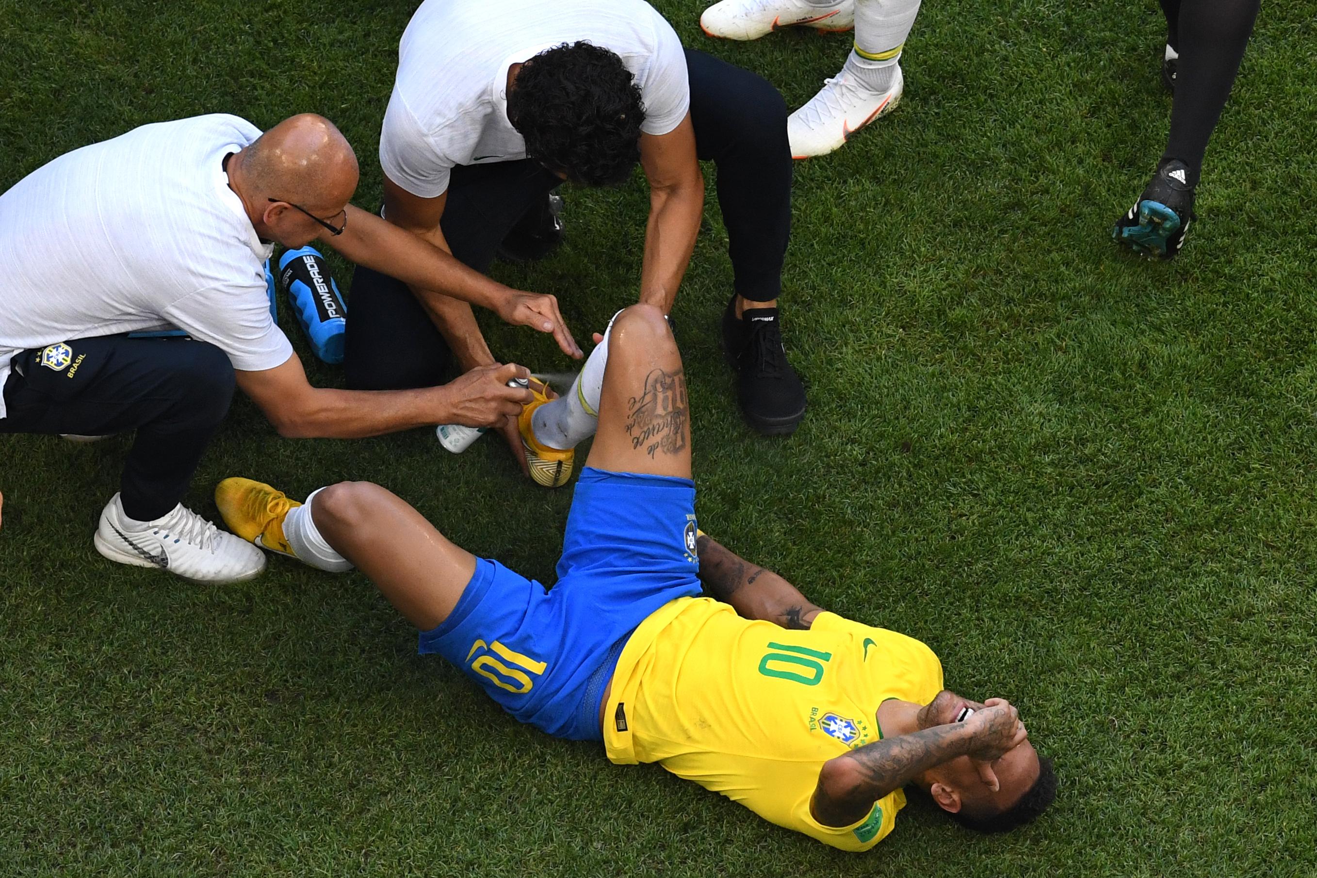 Neymar újradefiniálta a fetrengés fogalmát