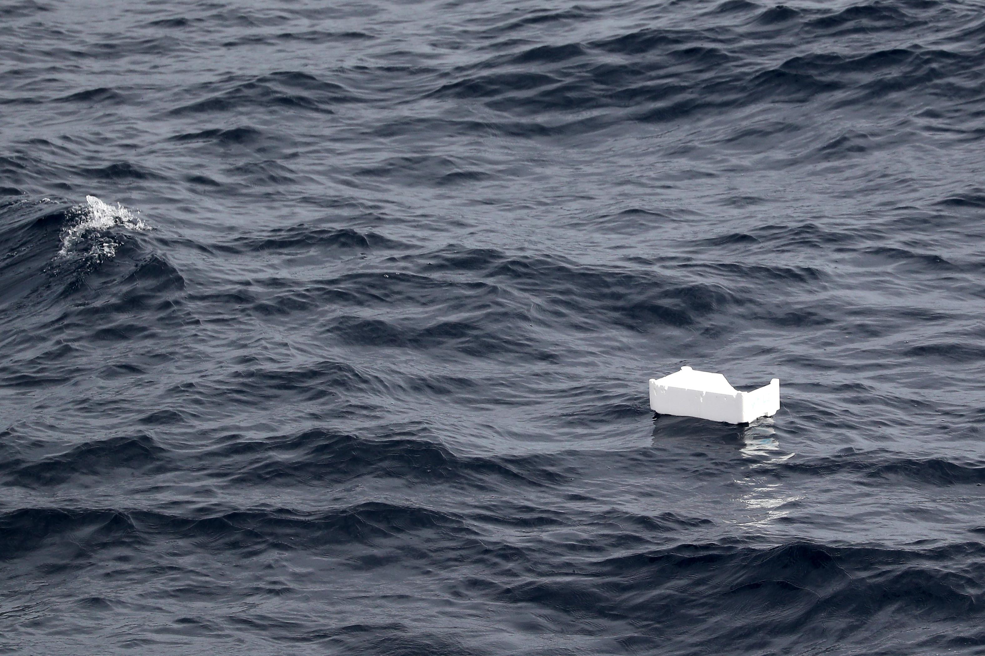 Hajótörés után legalább 43 ember belefulladt a Földközi-tengerbe
