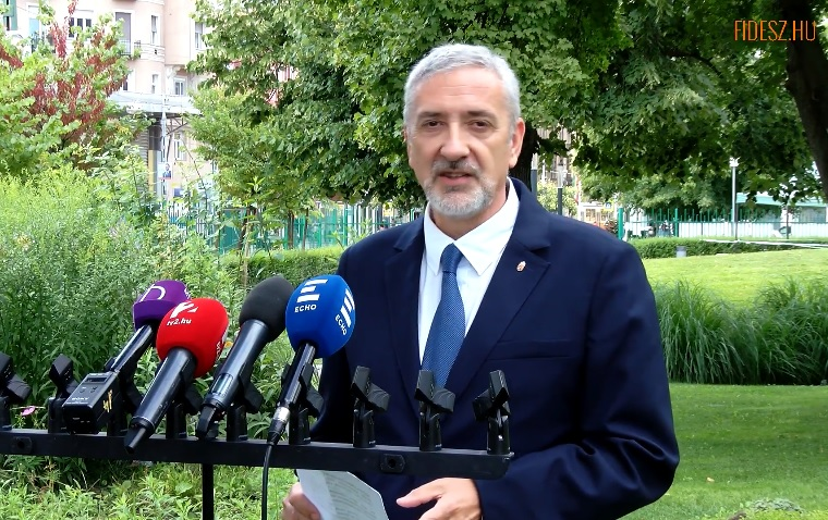 Győri Péter nem civil, hanem egy volt SZDSZ-es, mondja Halász János, aki az SZDSZ civil jelöltjeként került a politikába