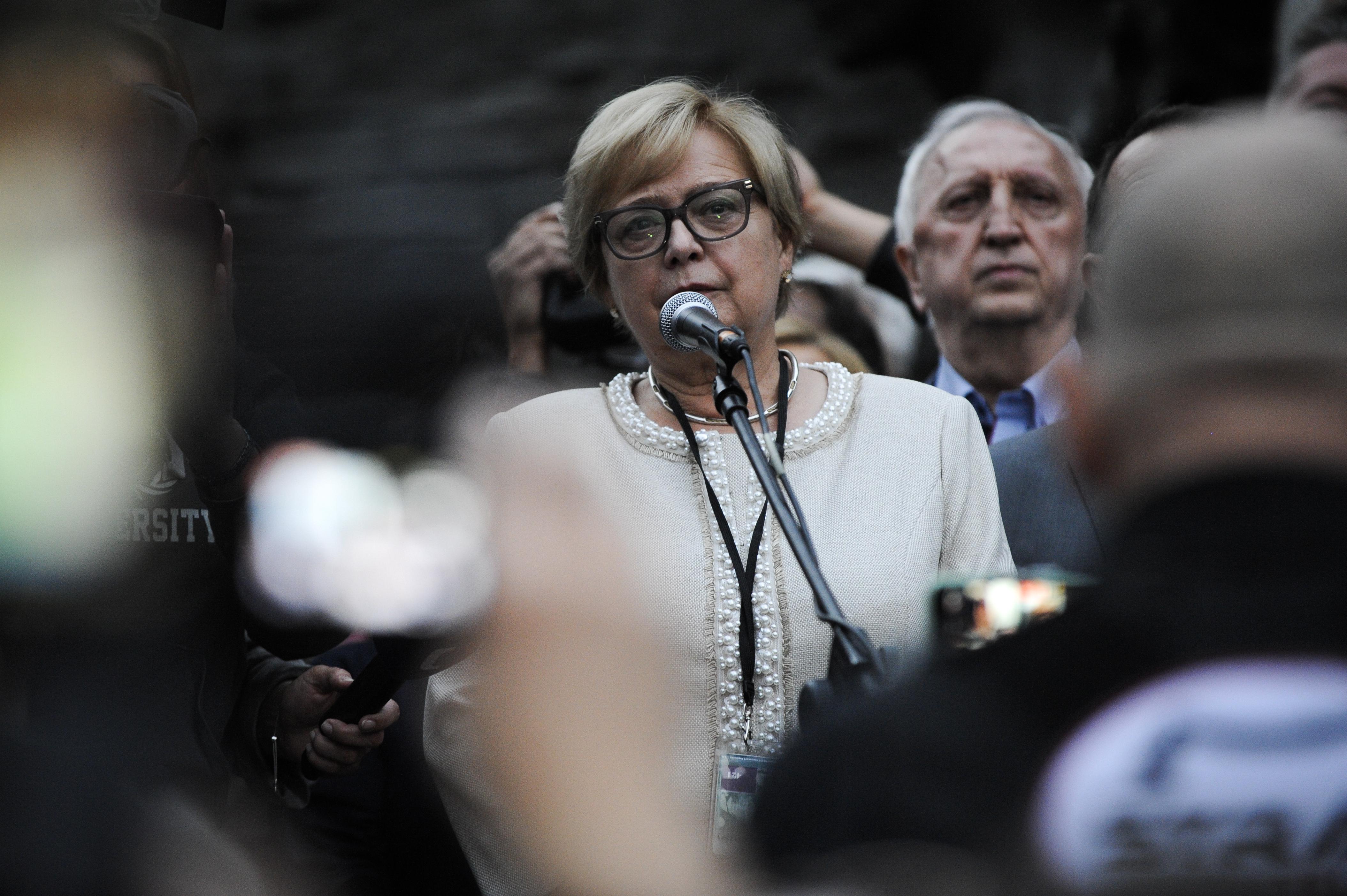 Az Európai Bíróság elrendelte a lengyel legfelsőbb bírósági törvény felfüggesztését