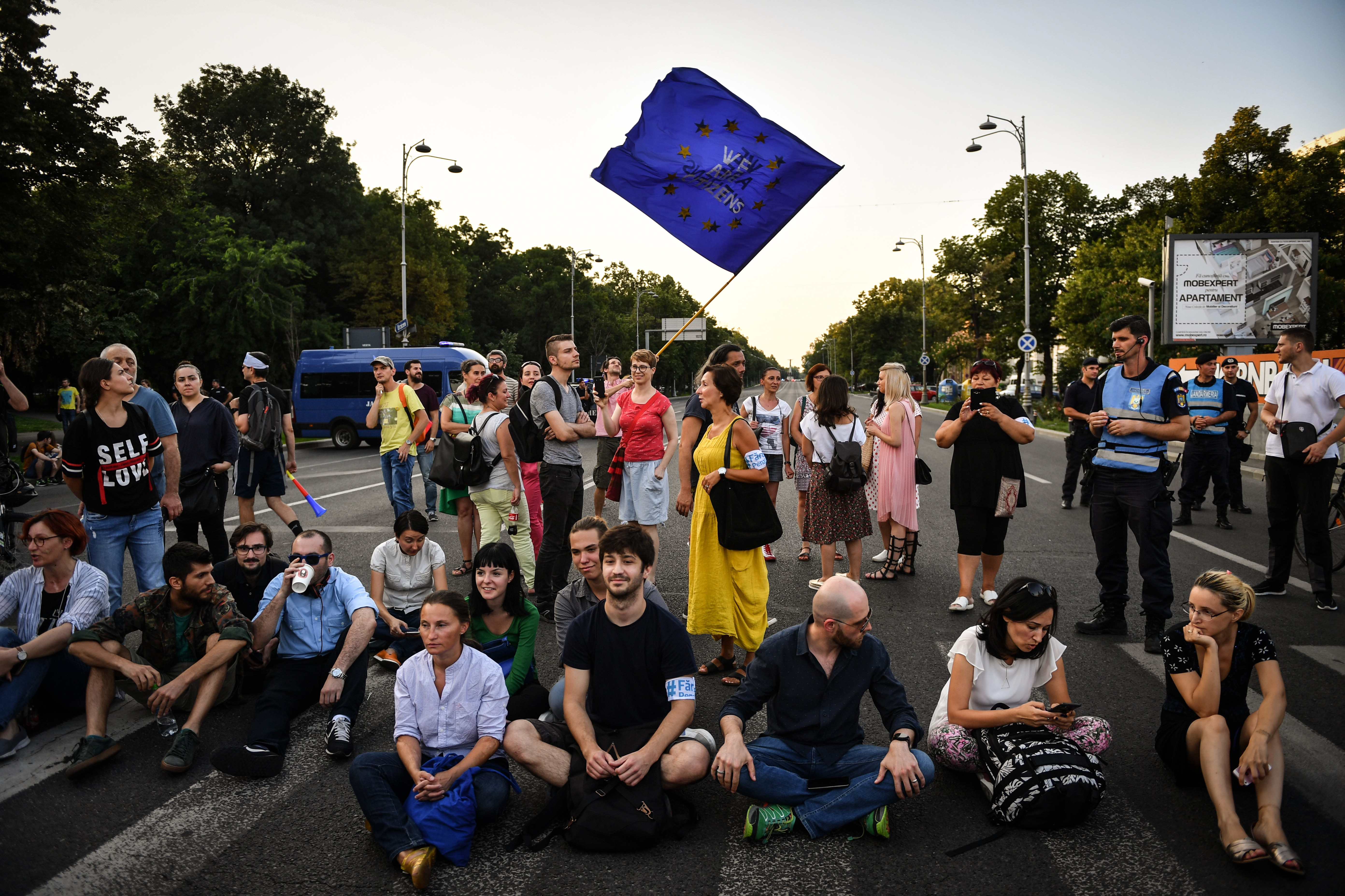 Meneszti a román elnök a korrupcióellenes főügyészt