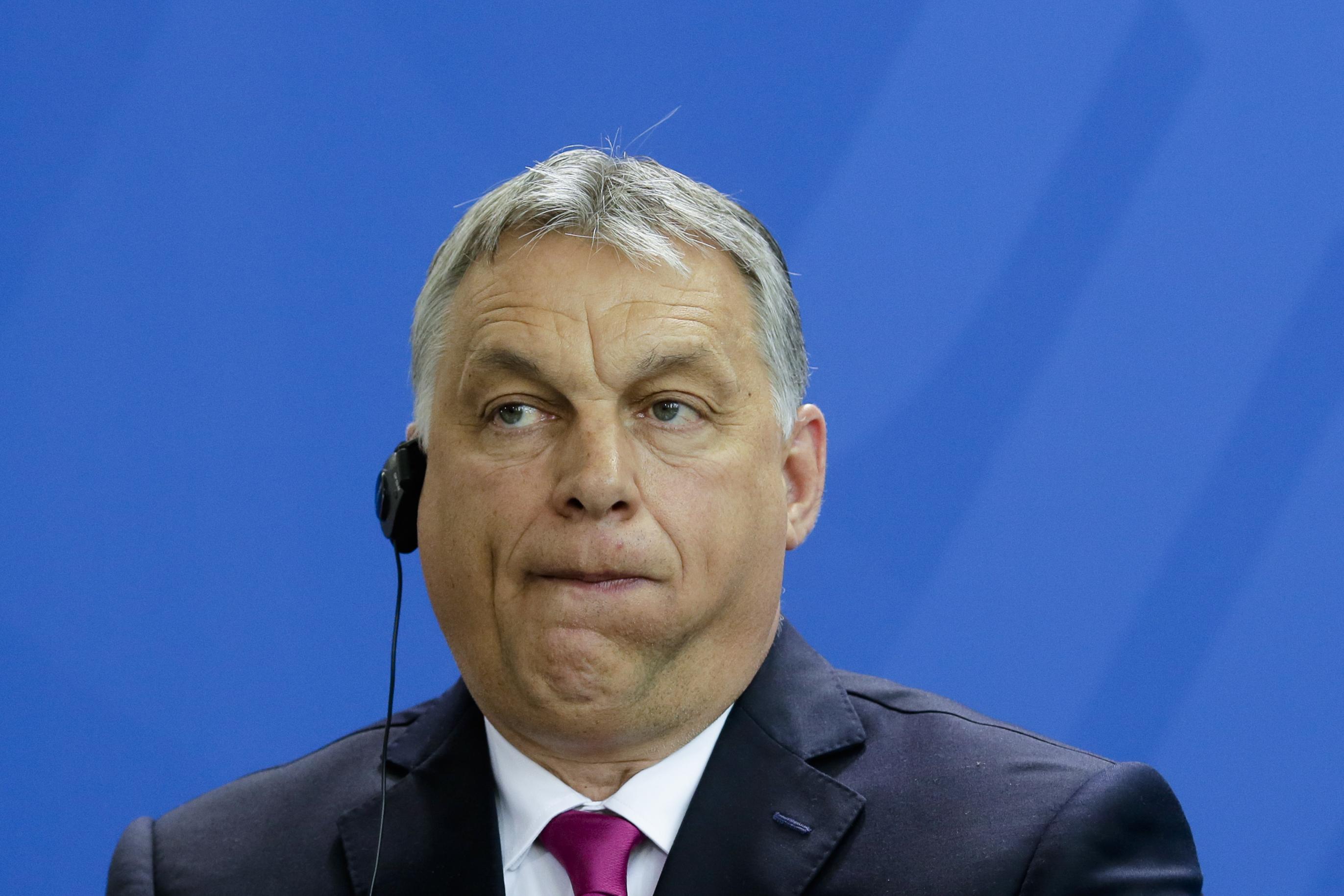 Példátlan gunyorossággal, a balliberálisokon messze túllőve szállt bele Orbán Viktorba a Nemzeti Sport főszerkesztője