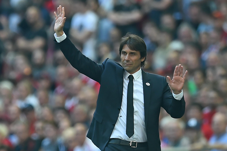 Kirúgta Antonio Contét a Chelsea