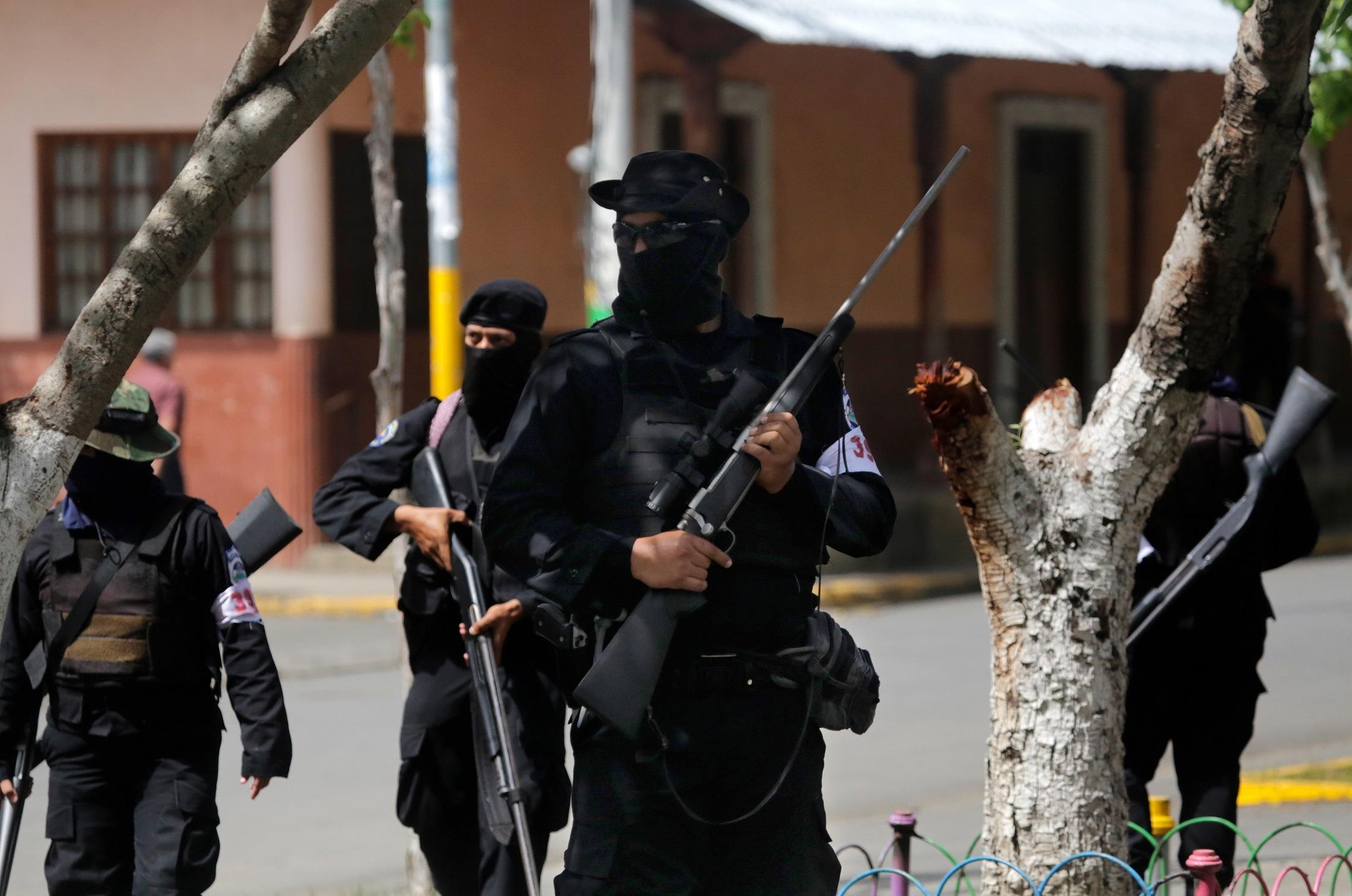 A nicaraguai kormányerők két egyetemistát megöltek, és kb. 20-at megsebesítettek azok közöl, akik egy templomba menekültek