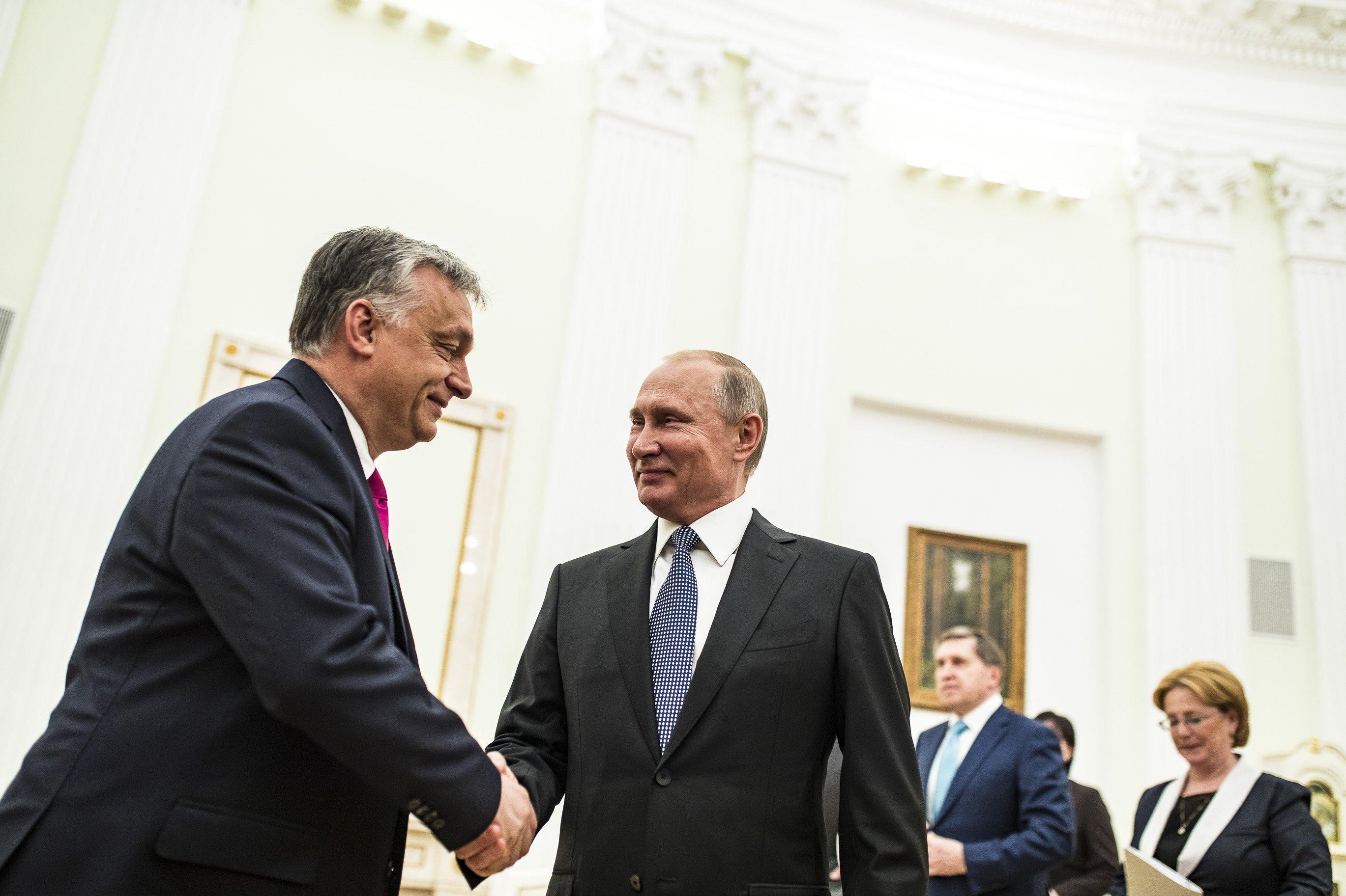 Putyin bízik az orosz-magyar együttműködés szorosabbra fűzésében