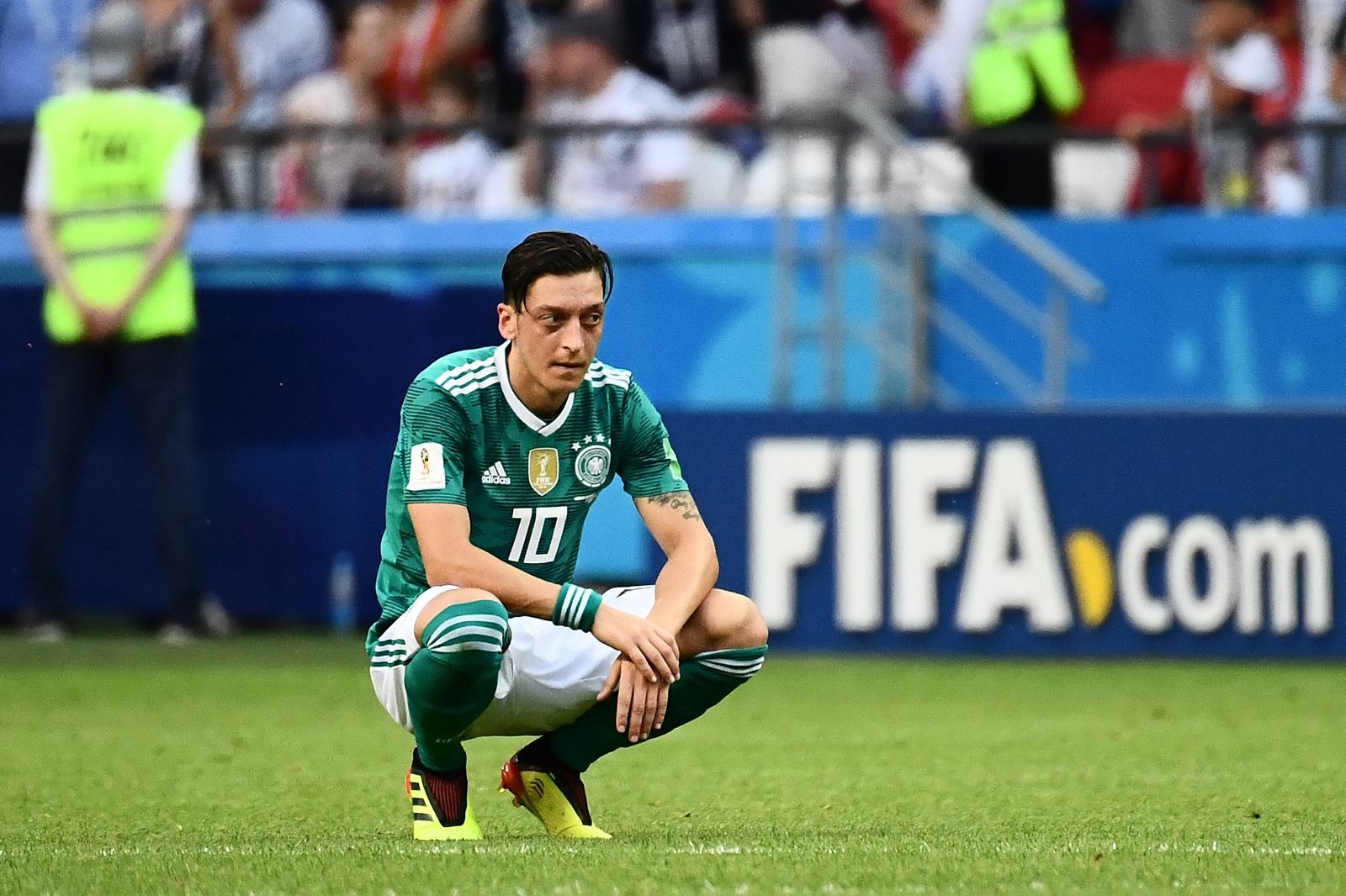 Özil lemondta a német válogatottságot