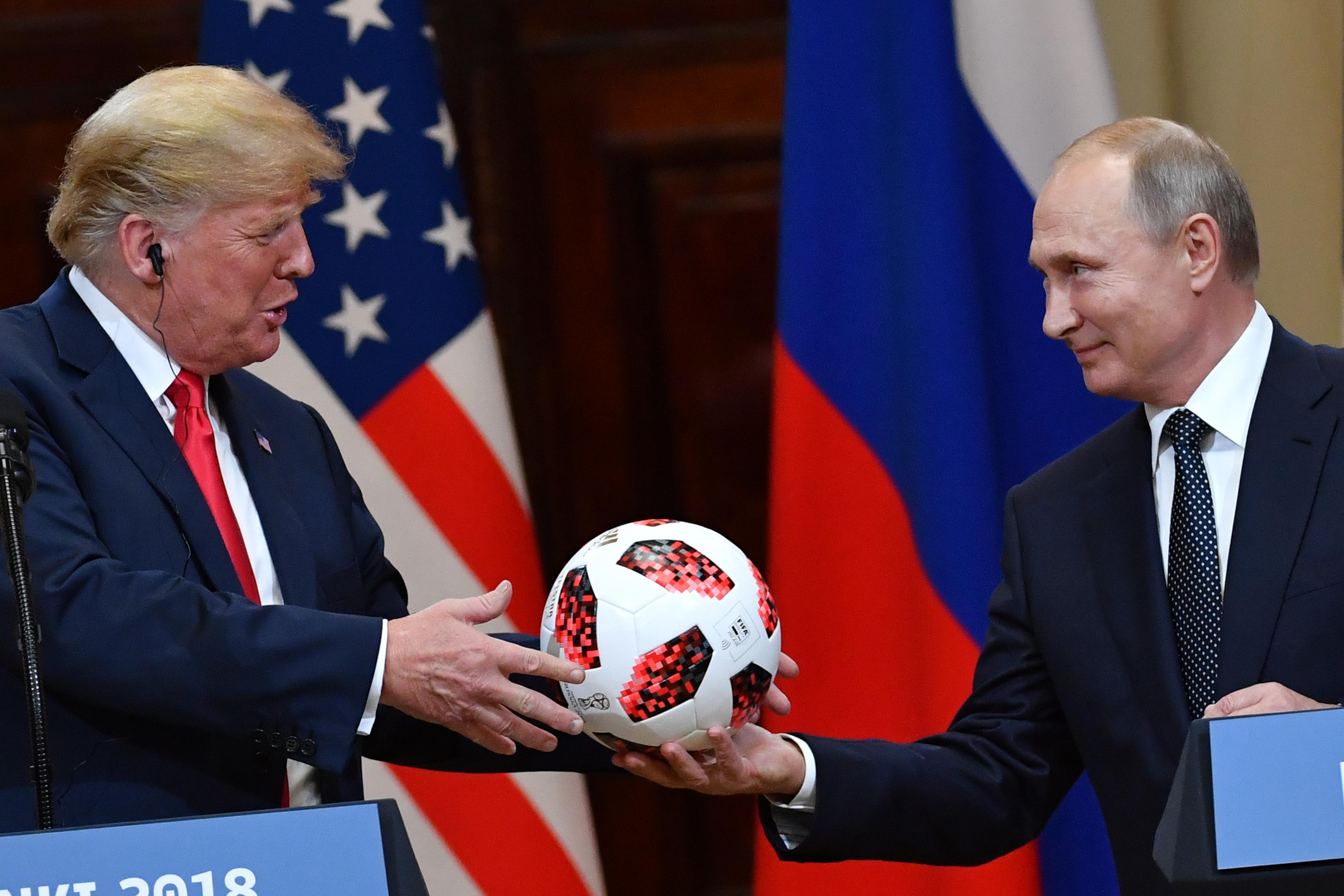 Reuters: Trump szankciókkal büntetné a beavatkozást az amerikai választásokba