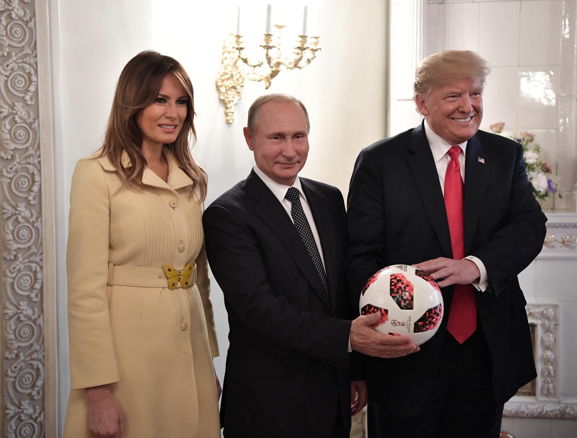 Demokraták és republikánusok is szétszedték Trumpot a Putyin-sajtótájékoztatón elhangzottak miatt