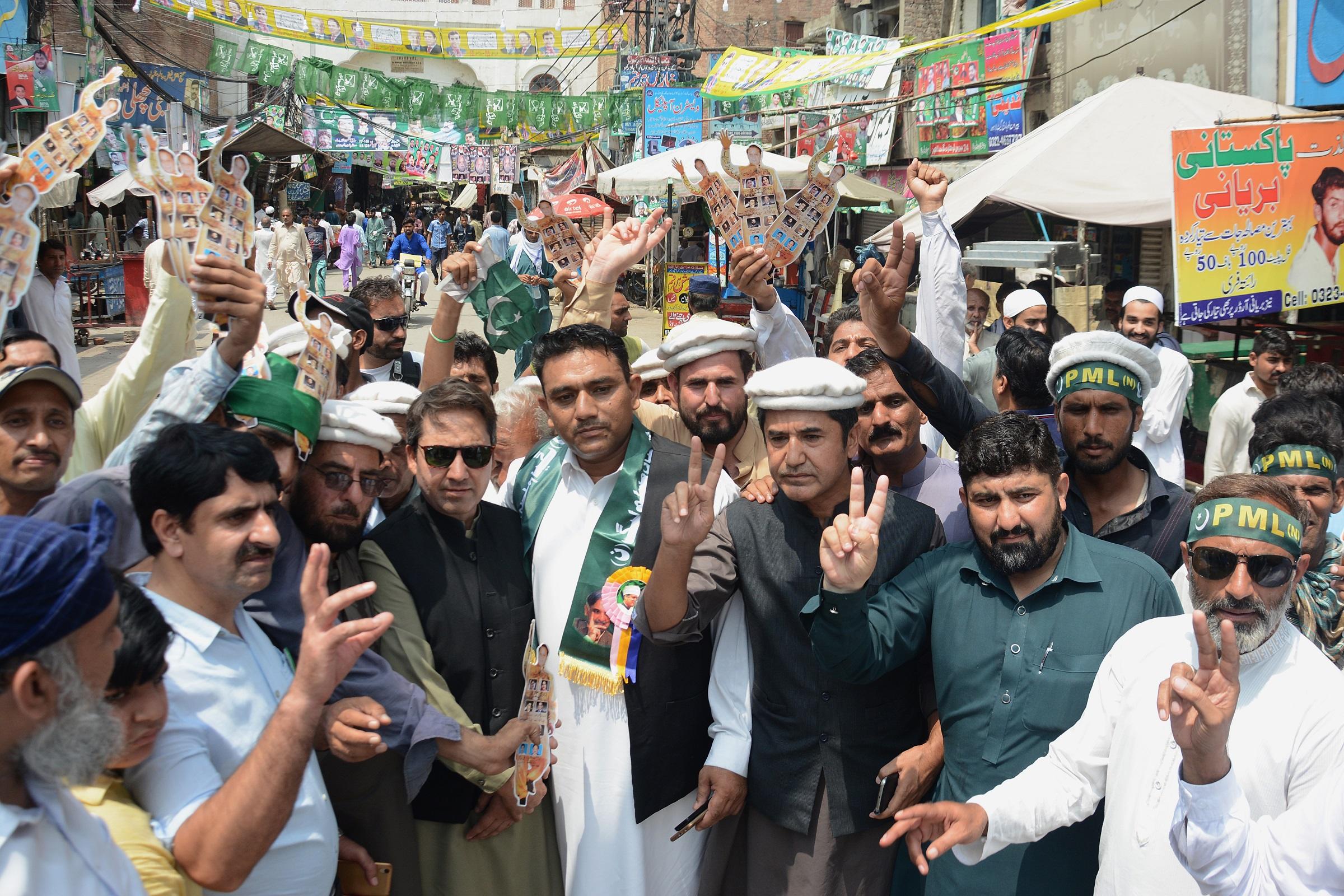Elszámoltatás Pakisztánban: választási csalás miatt a kormányzó párt 16 868 tagja ellen indítottak büntetőeljárást