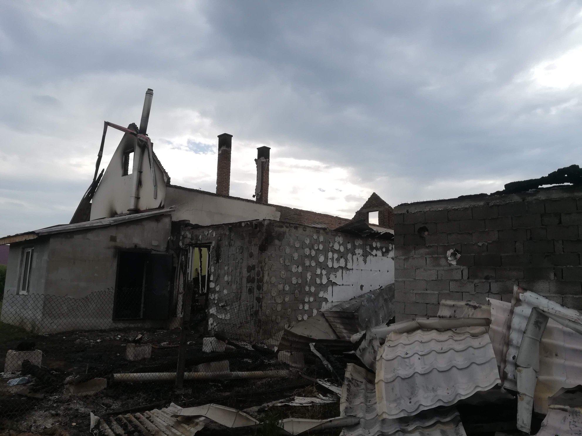 Felgyújthatták a romák imaházát és óvodáját a kárpátaljai Nagydobronyban
