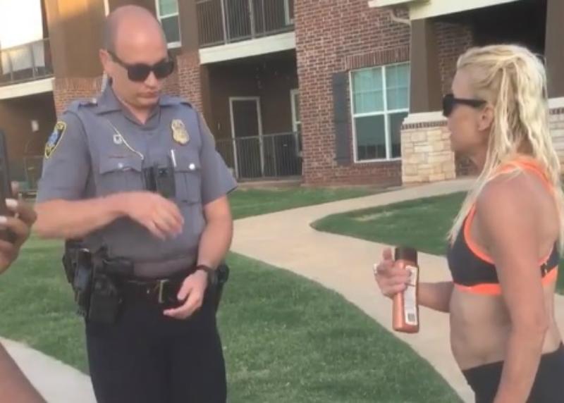 Túl lassú golfozás, nem mosolygás, grillezés: ha fekete vagy, ennyi elég is, hogy rád hívják a rendőröket Amerikában