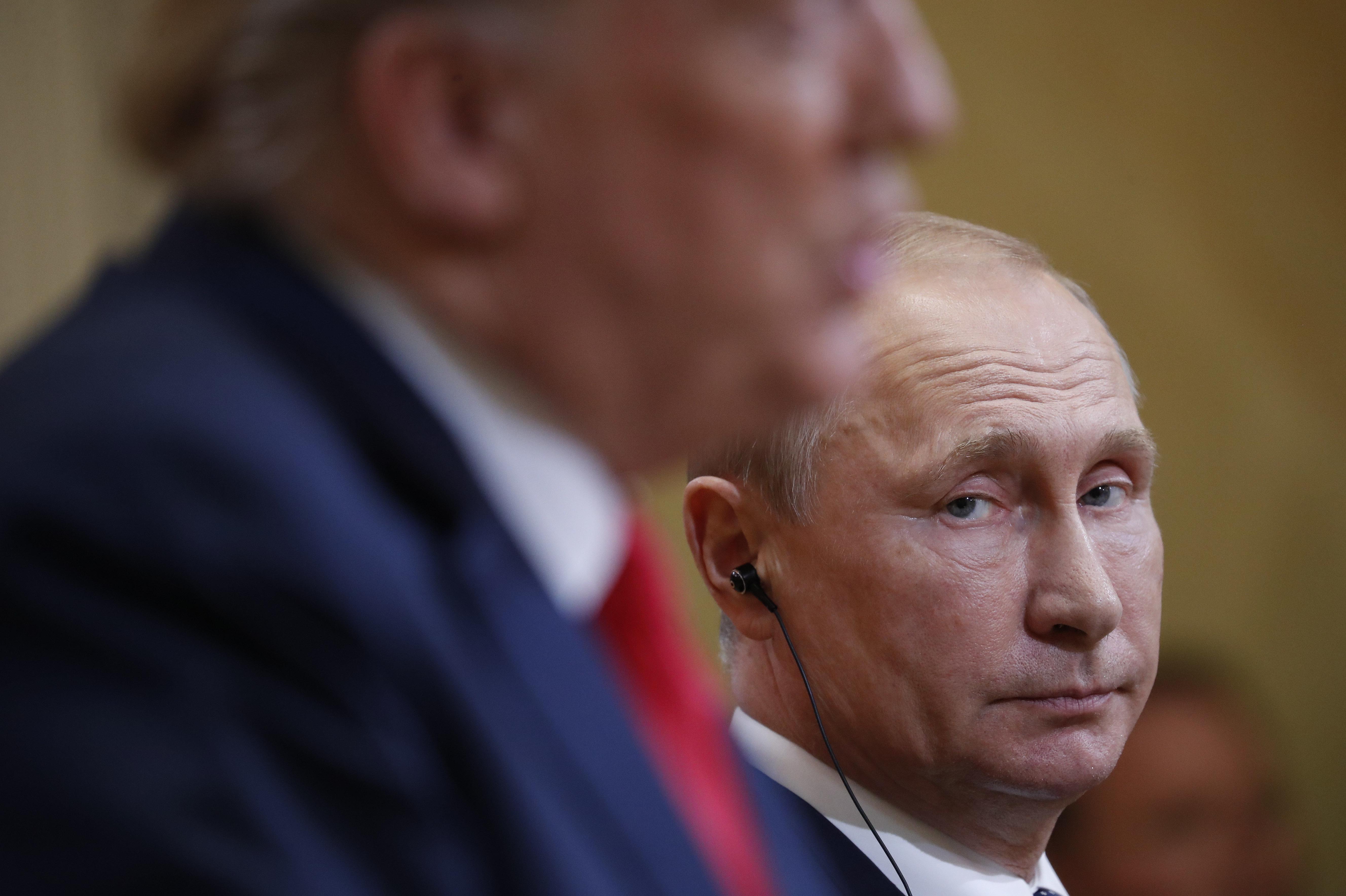 Nem vagyok oroszpárti, mondta Trump a Foxnak, de Putyint kérdésre se volt hajlandó bírálni