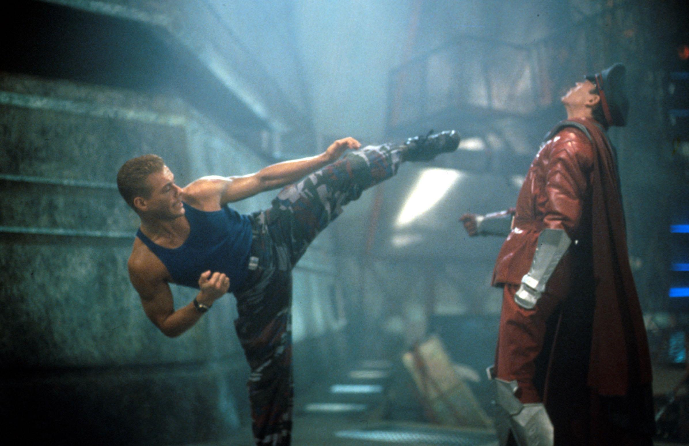 A Street Fighter rendezője szerint a forgatás alatt Jean-Claude Van Damme végig teljesen be volt kokózva