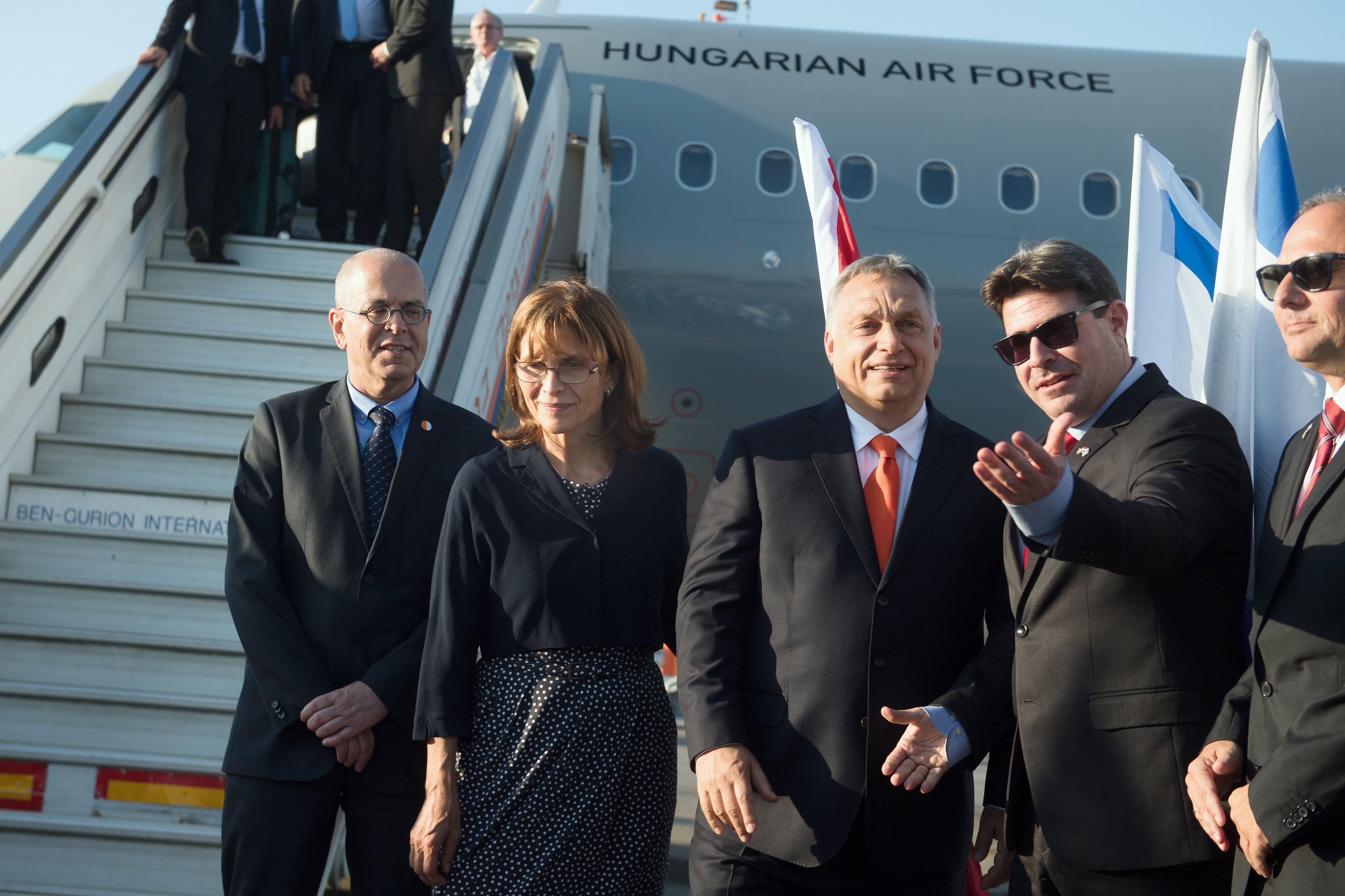 Nem kormánygépnek vették, mégis azzal repült Orbán Viktor Izraelbe