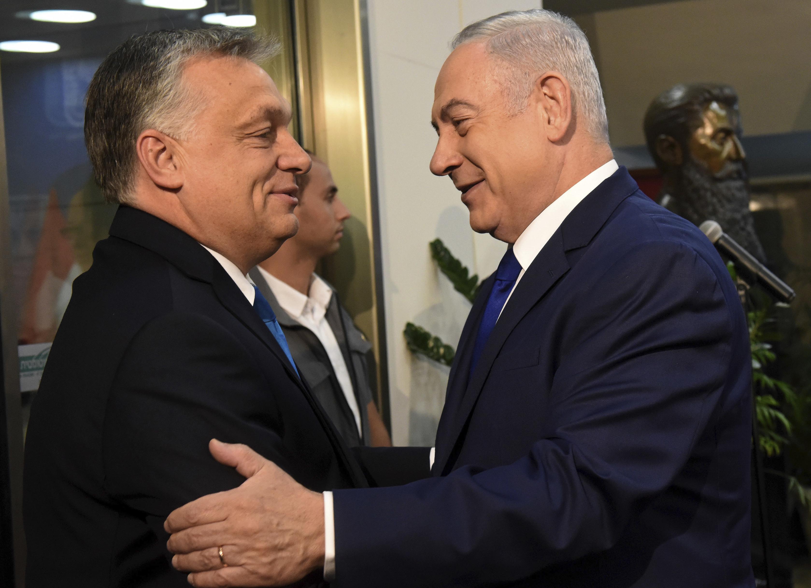 Az izraeli külügyminisztérium tiltakozna a Sorsok Háza miatt, de Netanjahu megvédi Orbánt