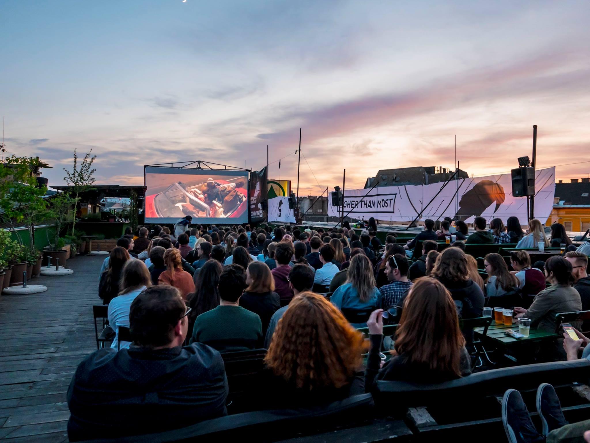 Nem csak a Corvin Club zár be ideiglenesen, hanem a Budapest Rooftop Cinema is