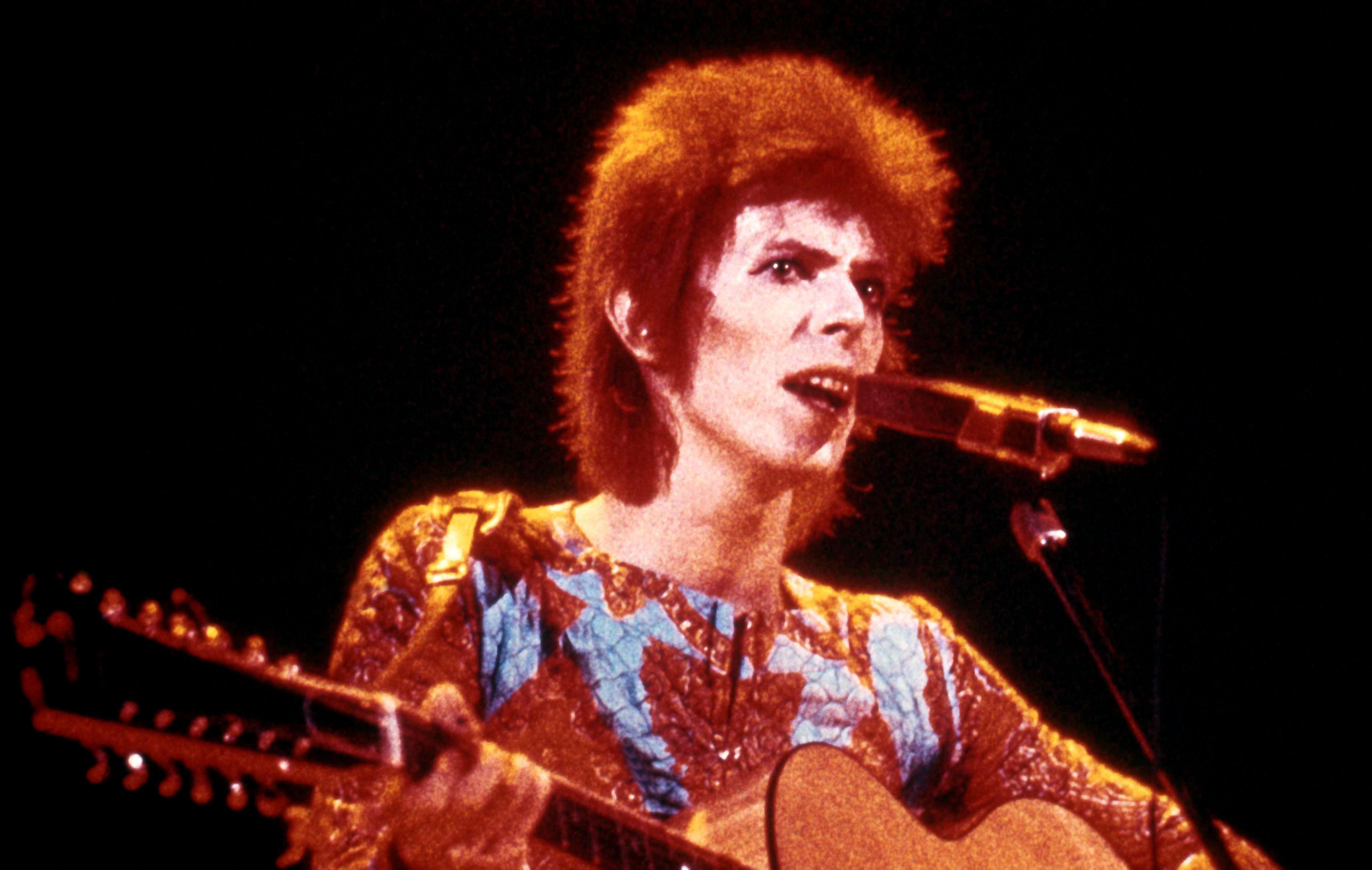 Egy régi kenyereskosárból került elő David Bowie első demója