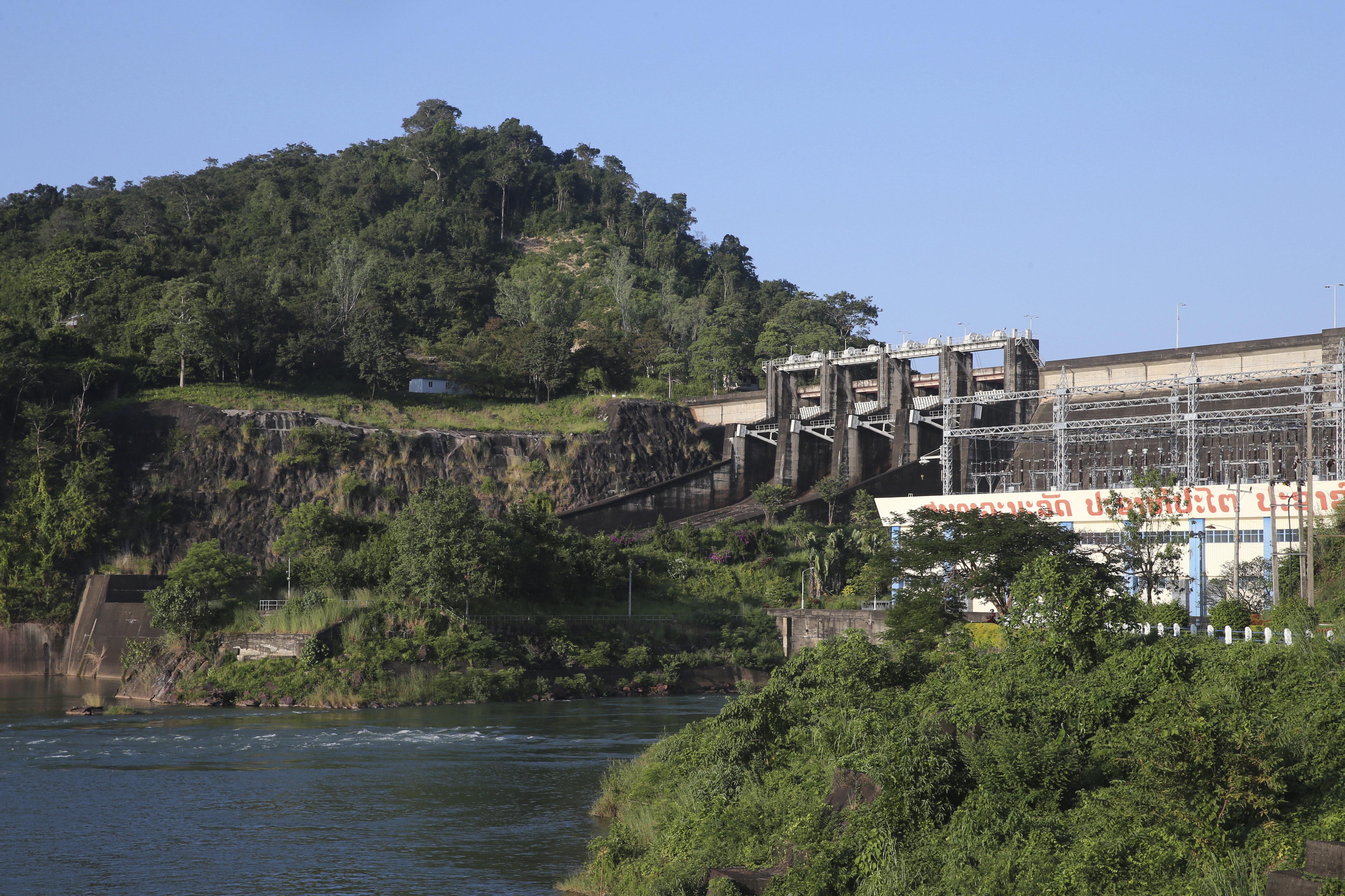 Összeomlott egy vízerőmű gátja Laoszban, több százan eltűntek