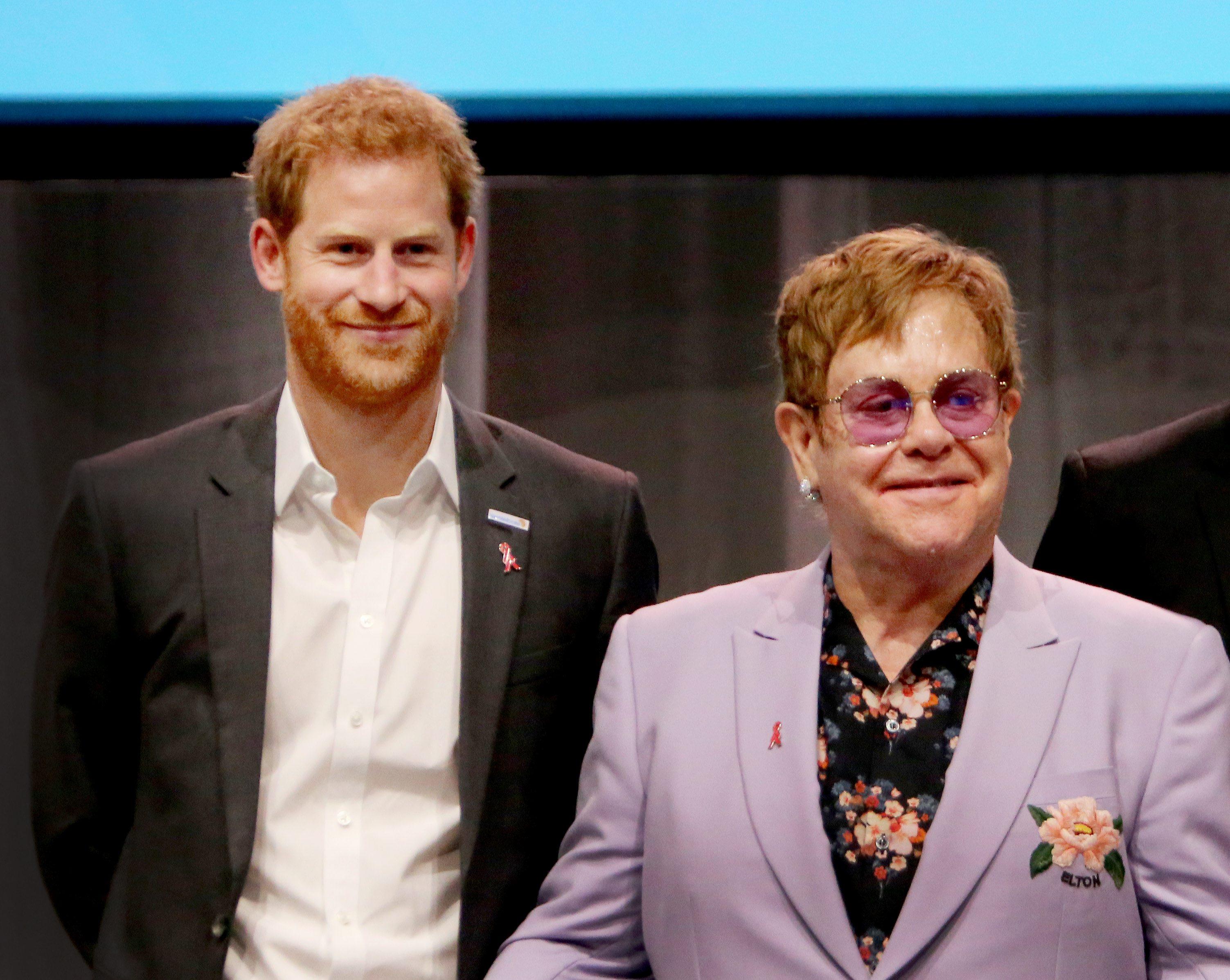 1,2 milliárd dolláros alapot jelentett be az AIDS ellen Harry herceg és Elton John