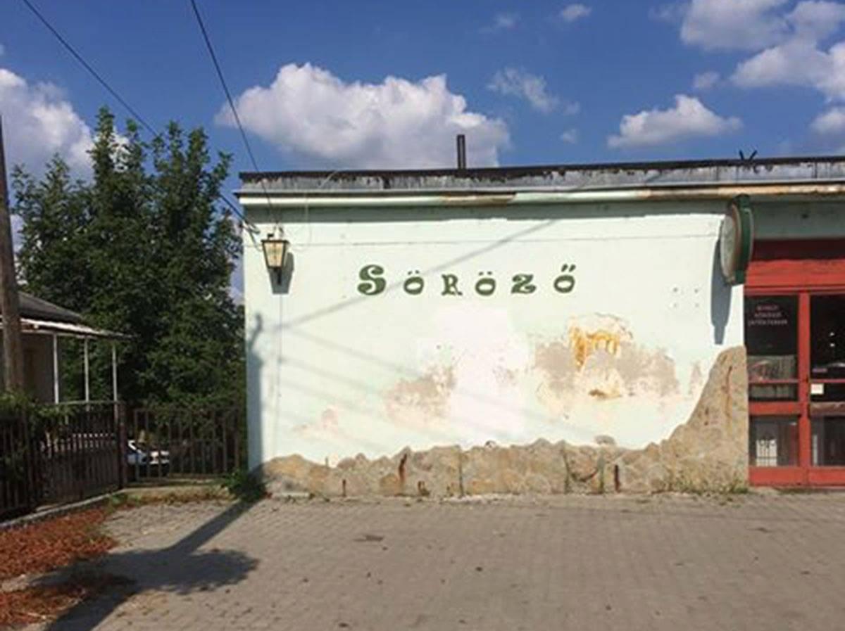 Nem fért el Mészáros Lőrinc képe a felcsúti kocsma falán