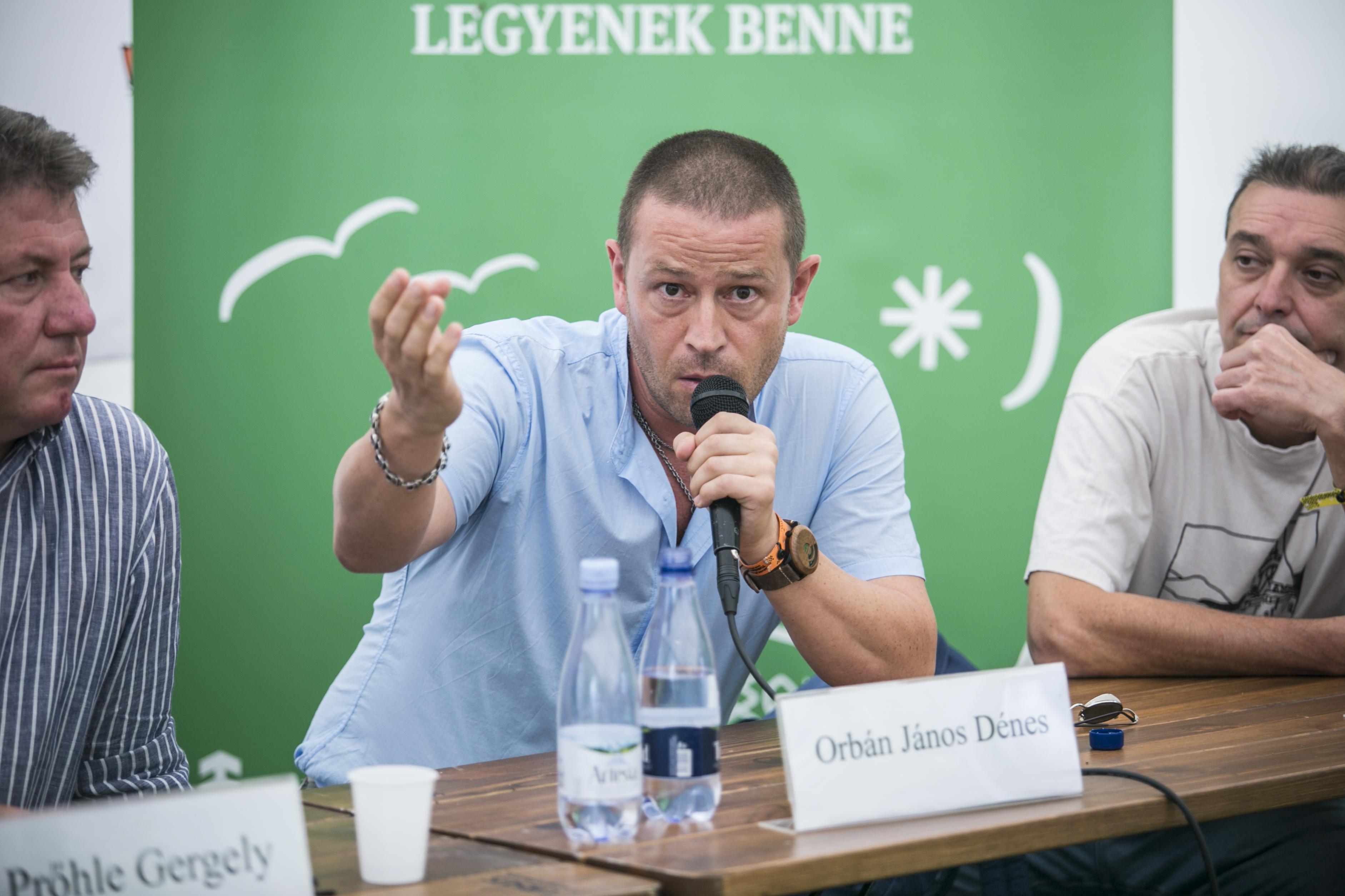 Orbán János Dénes állami íróakadémiája úgy oszt díjat, hogy se a zsűritagok, se a díjazottak neve nem nyilvános