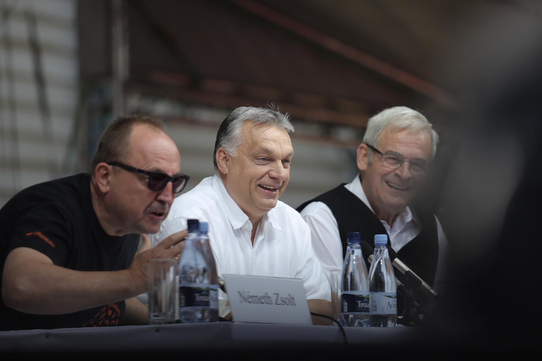 Orbán bejelentkezett Európa vezetésére