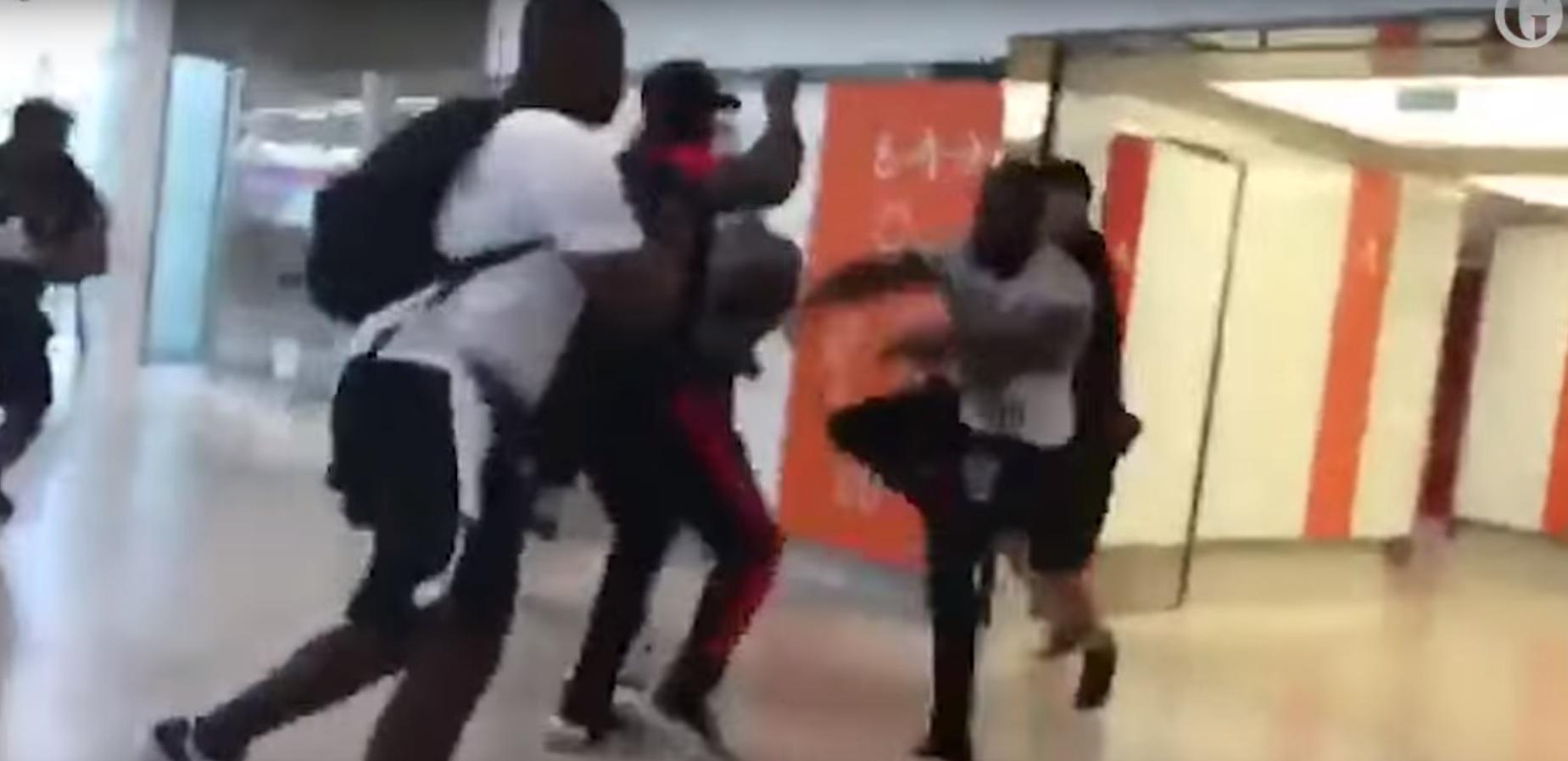 Összeverekedett két rapper a párizsi reptéren, leállt a légi közlekedés