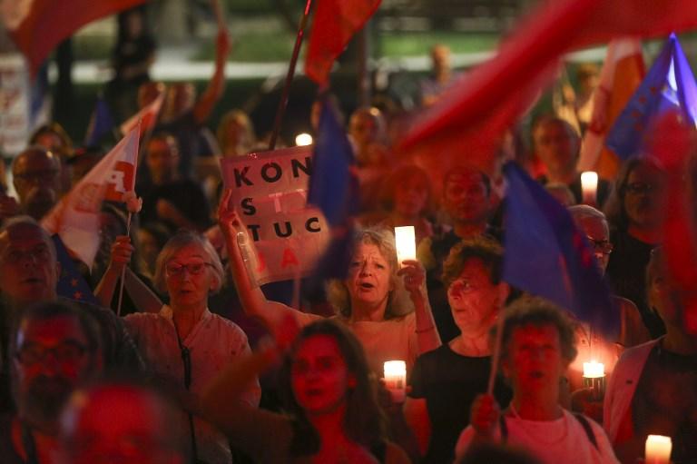 Nem hagyják magukat a leváltani a lengyel bírák, esik szét az igazságszolgáltatás