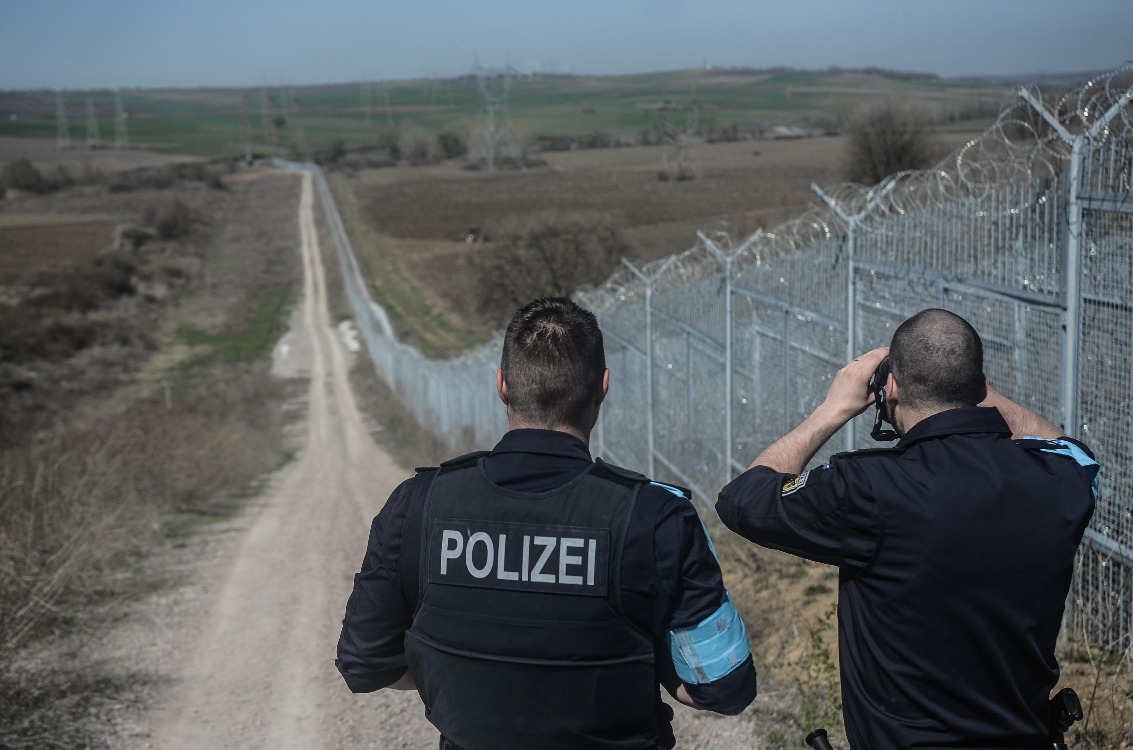 Kivonulnak az EU-s határőrök Magyarországról