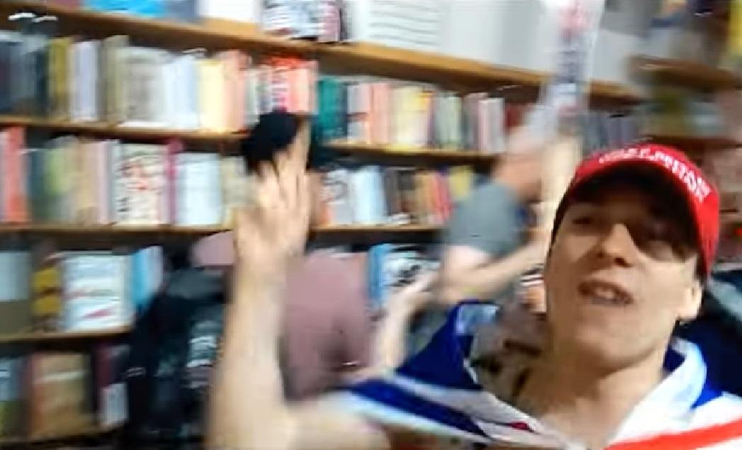 Kultúrharc: szélsőjobboldali tüntetők támadtak meg egy balos könyvesboltot Londonban