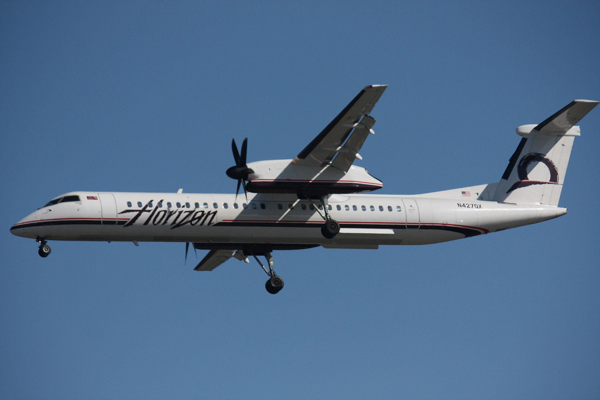 Egy szerelő ellopott egy repülőt a seattle-i reptérről, hogy trükköket mutasson be, vadászgépekkel üldözték, aztán lezuhant