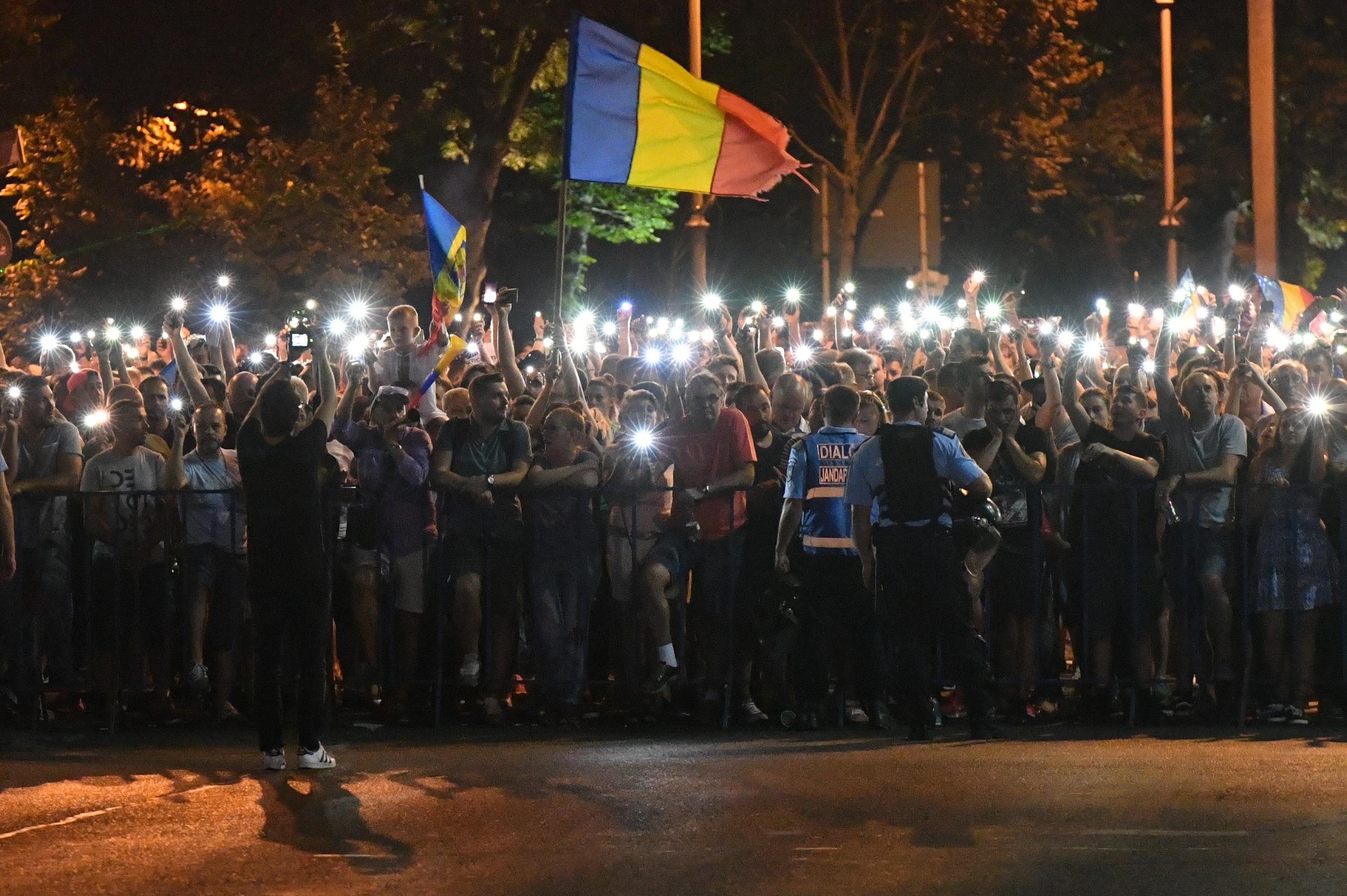 Majdnem 200 tüntető emelt panaszt a bukaresti csendőrség brutális tömegoszlatása miatt