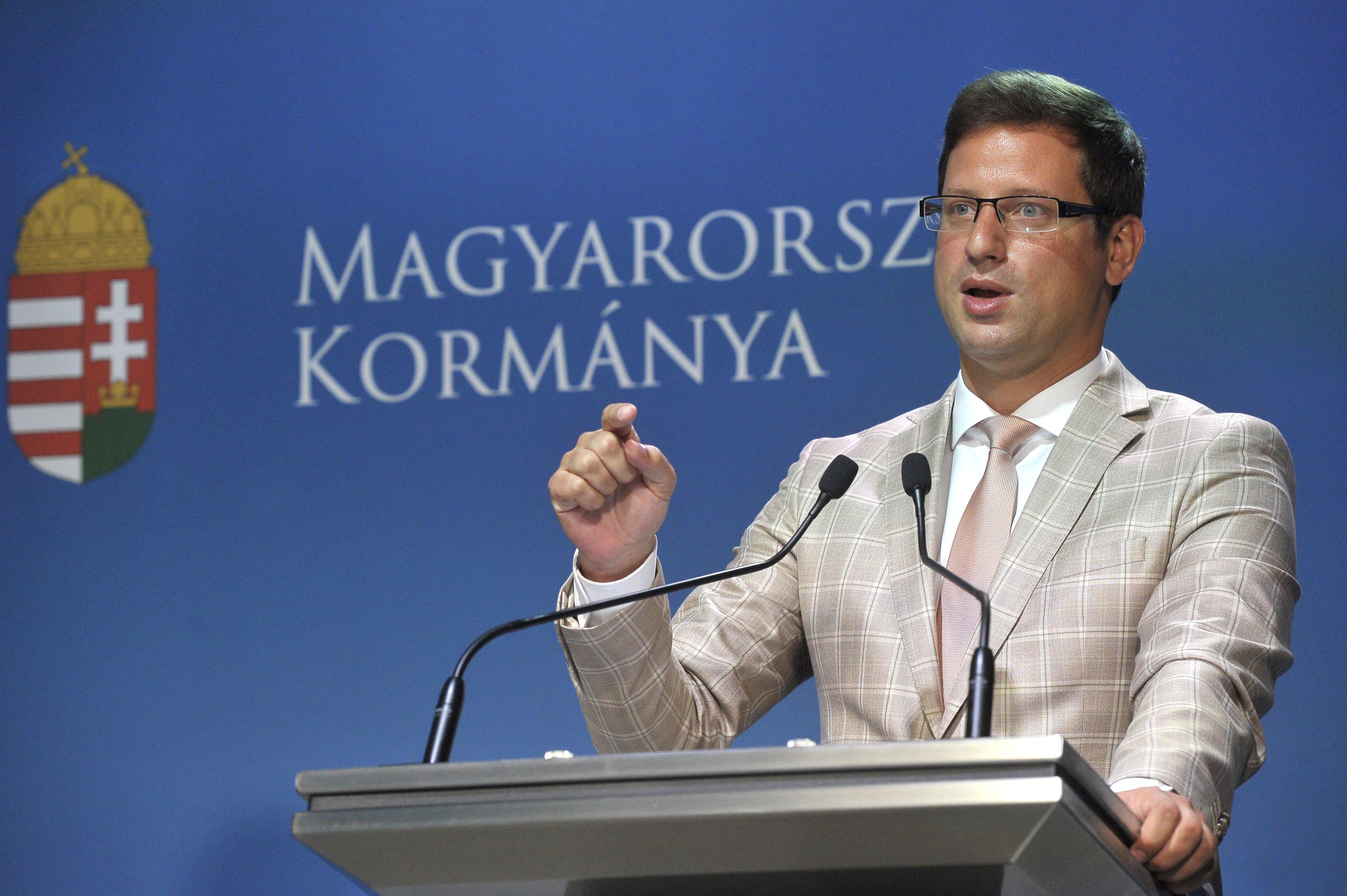 """""""A Kormányinfo nem érdekegyeztető fórum!"""" – írják a közalkalmazottak szakszervezetei"""