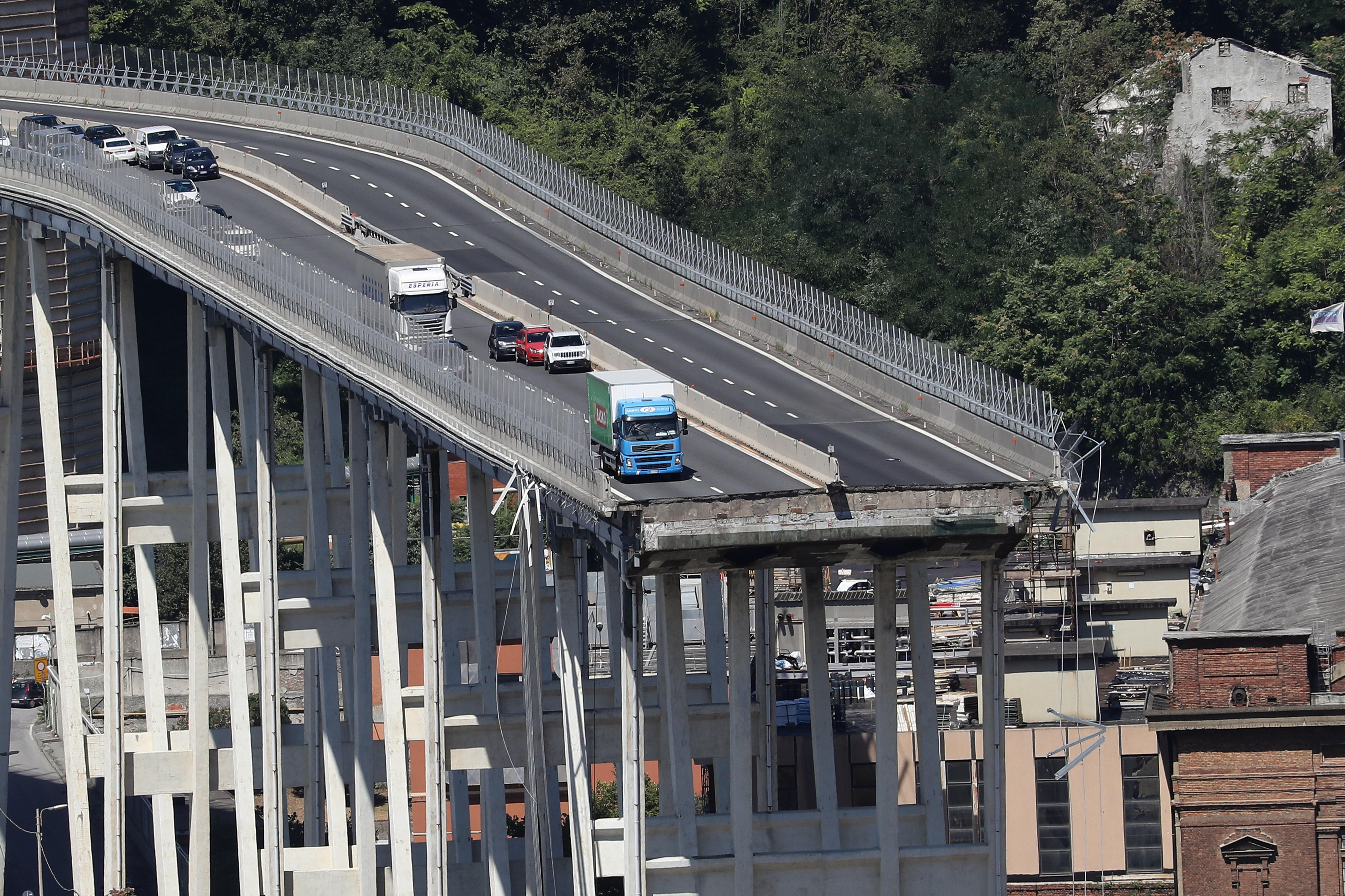 Nyilvánosság elé állt a leomlott olaszországi híd üzemeltetője és hatalmas kártérítést ígért