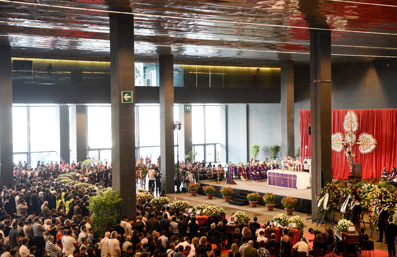 Sokan voltak a genovai áldozatok temetésén